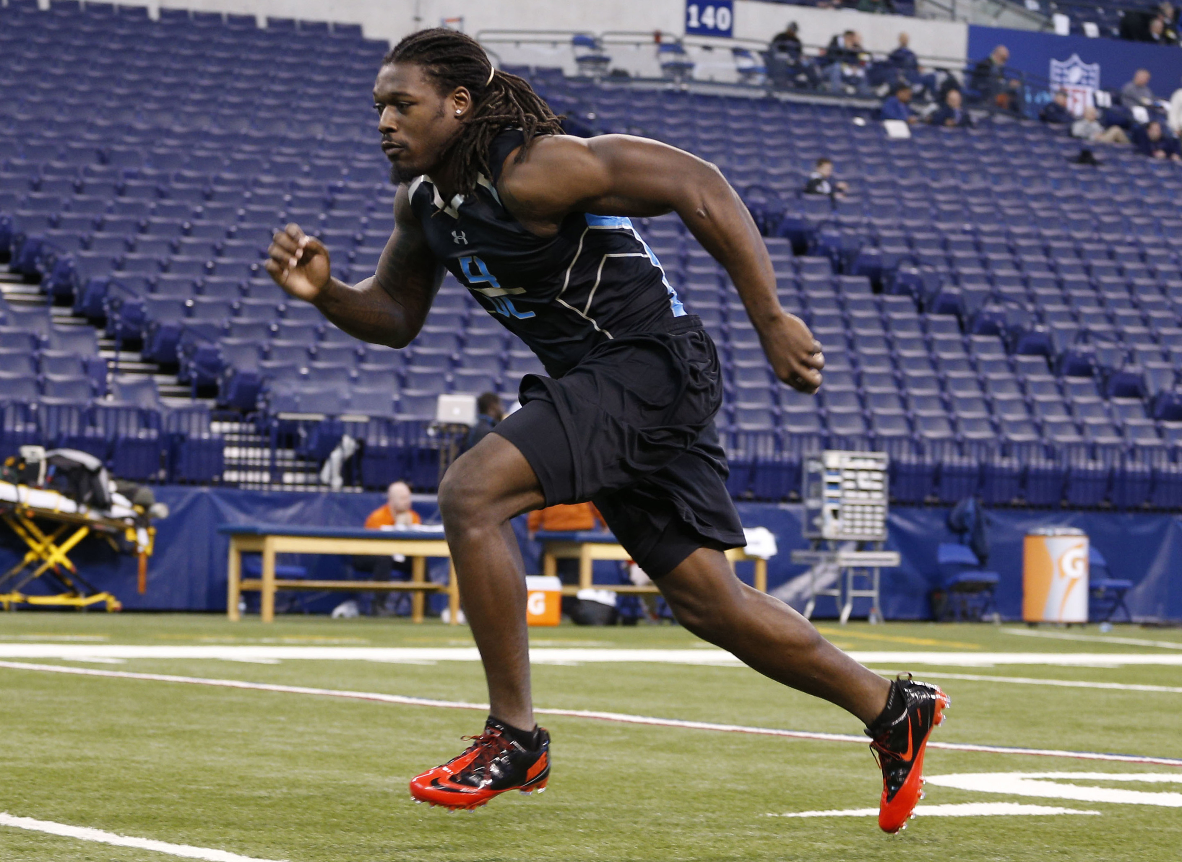 2014 NFL mock draft: Falcons trade up for Jadeveon Clowney