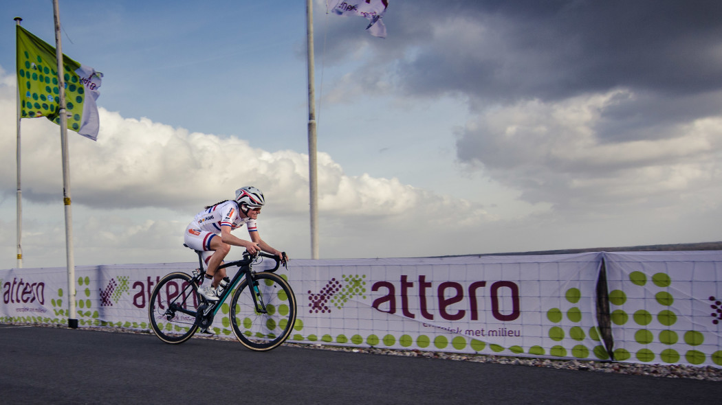 Lizzie Armitstead launches attack on VAMberg
