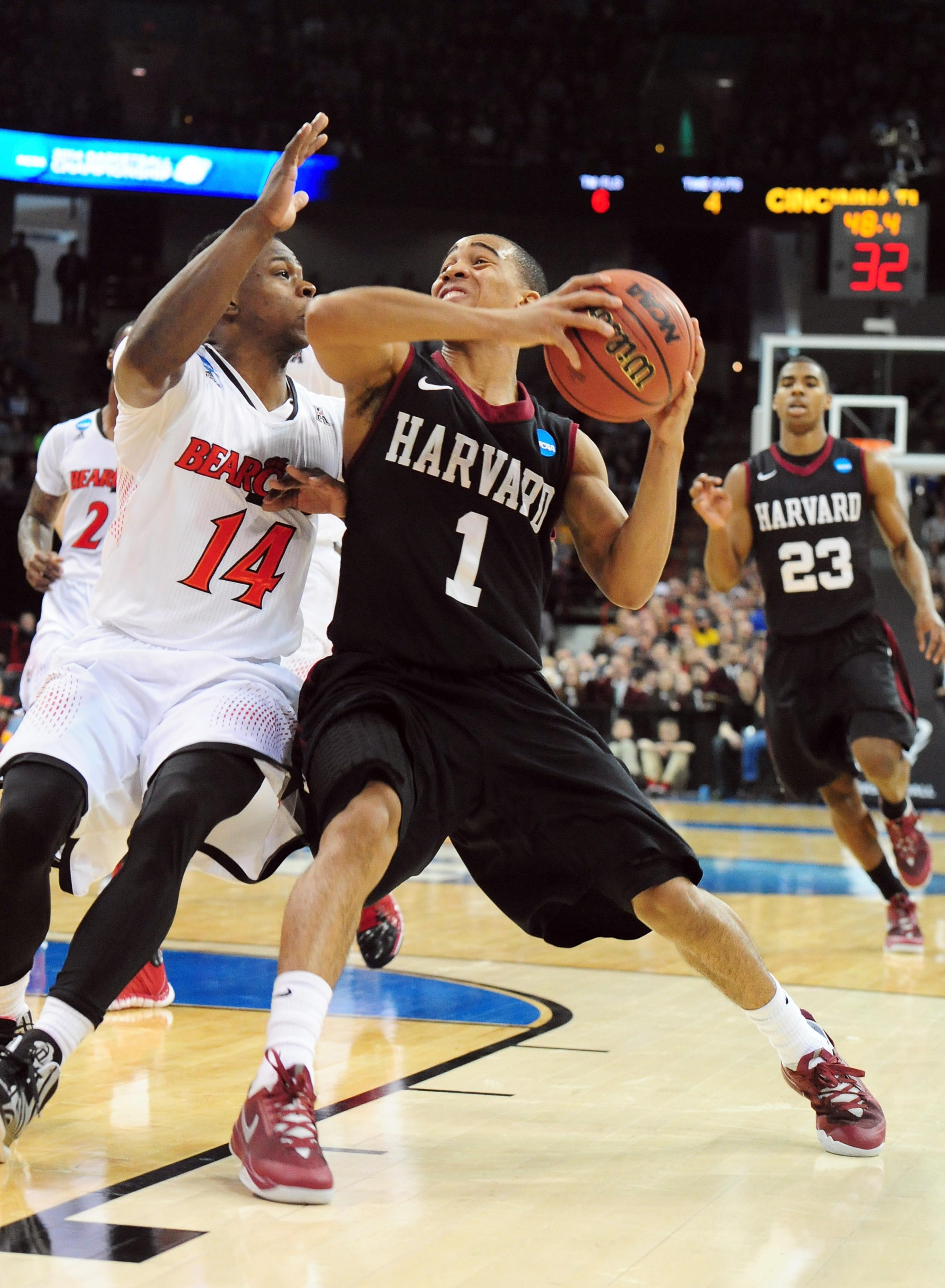 NCAA Tournament bracket update: No. 12 Harvard upsets No. 5 Cincinnati, 61-57