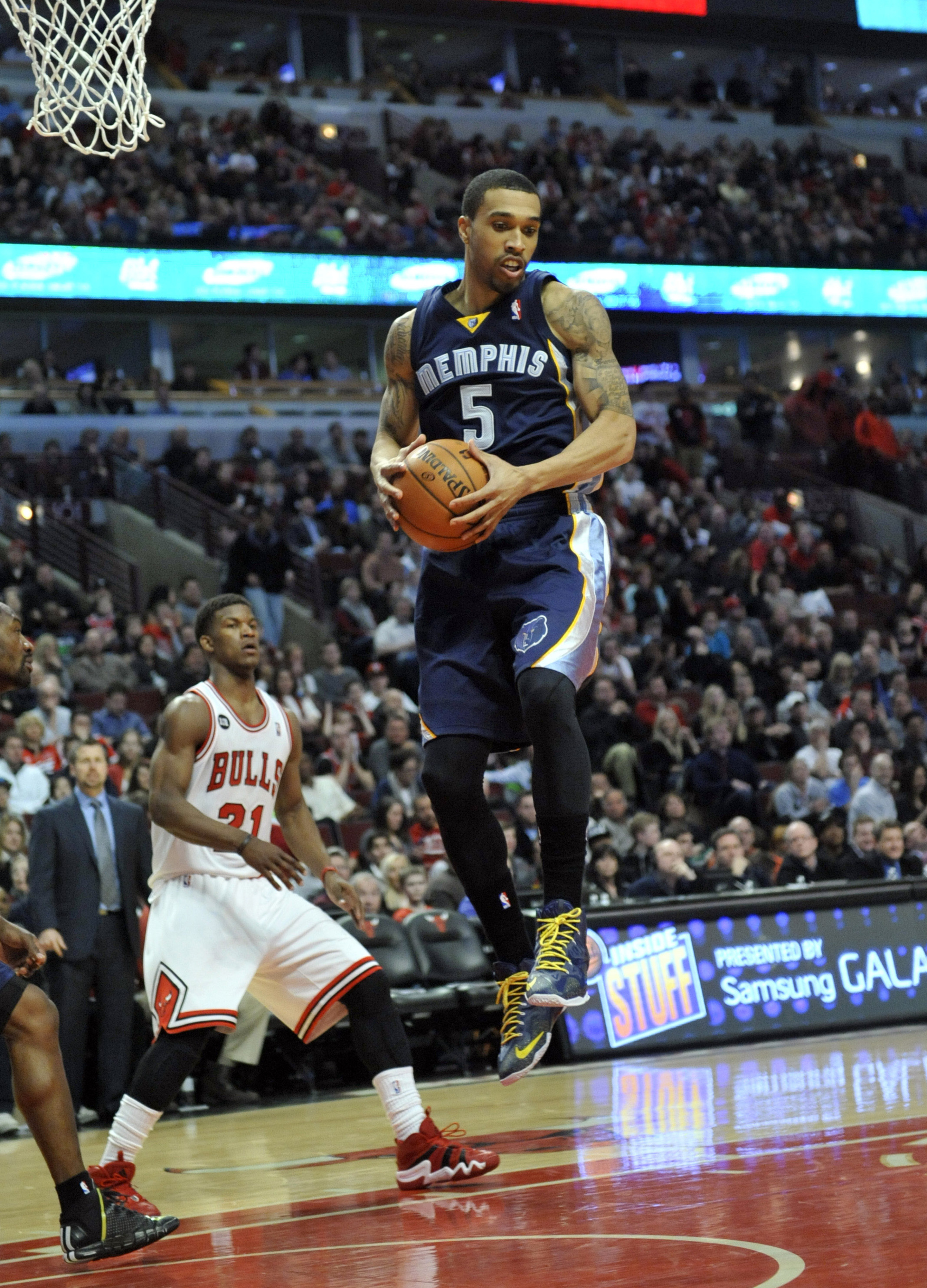 The Grizzlies are 7-2 when Courtney Lee snags 5 or more rebounds.