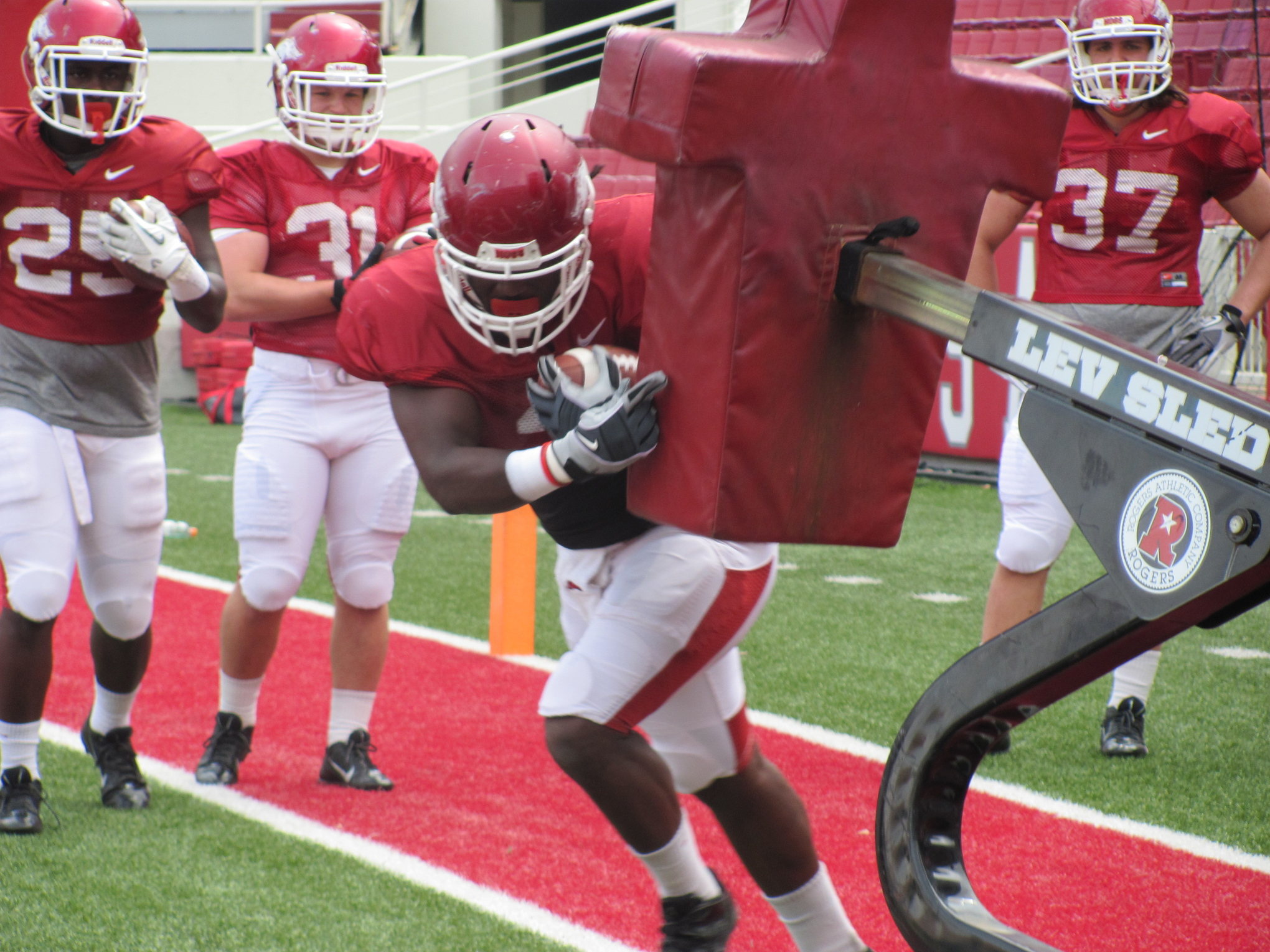 Alex Collins in a drill before Arkansas' second spring scrimmage