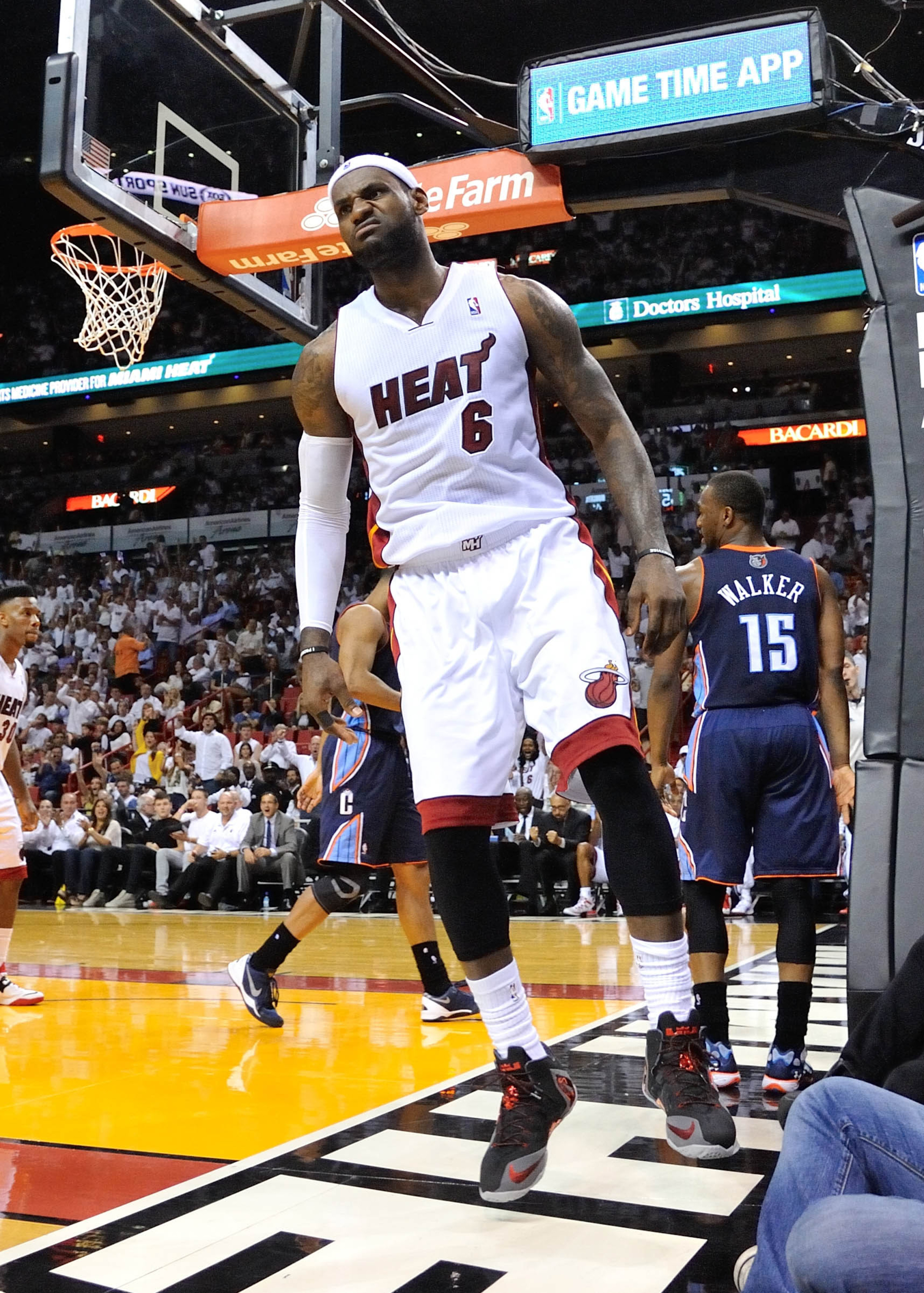 NBA playoffs 2014, Bobcats vs. Heat final score: LeBron James leads Miami to 101-97 win in Game 2