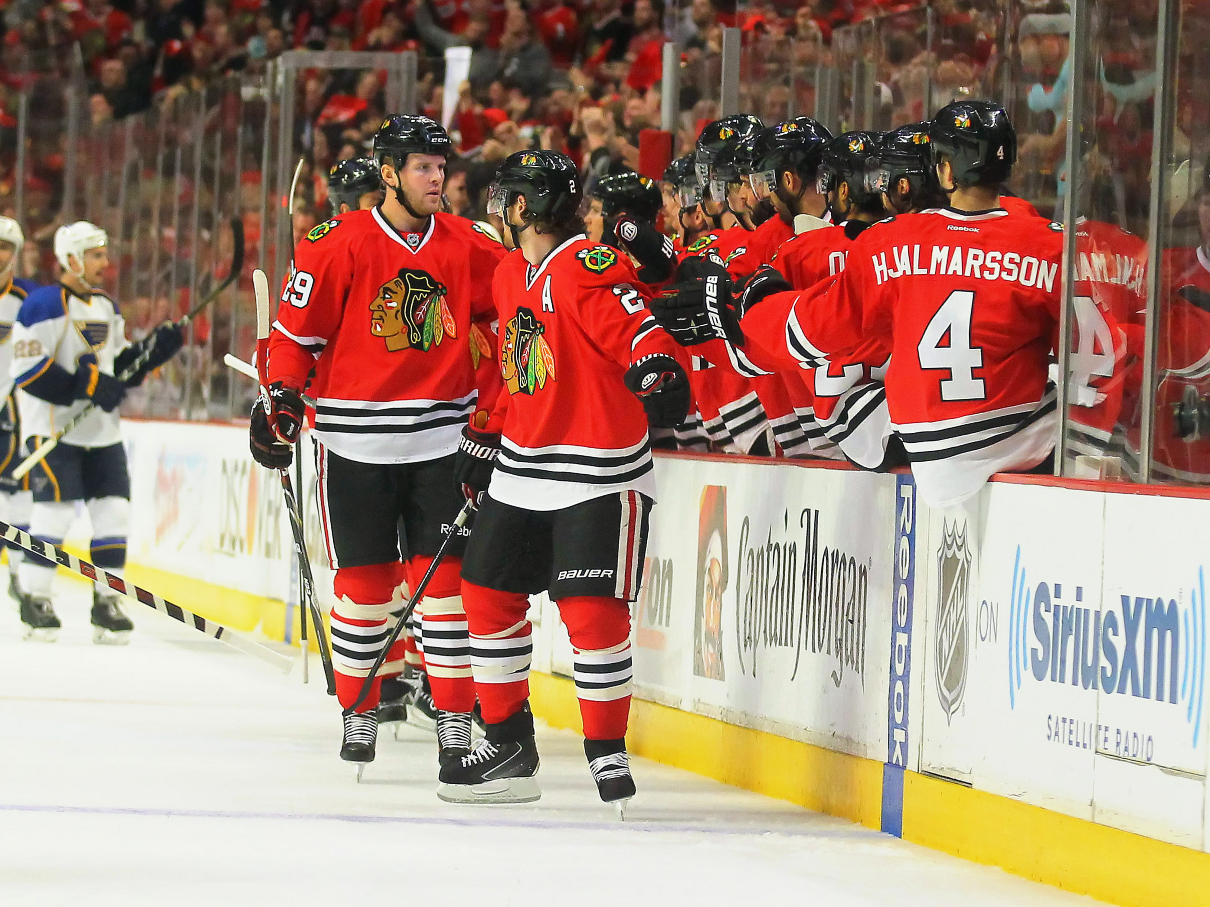 Chicago Blackhawks complete series comeback, eliminate Blues in Game 6