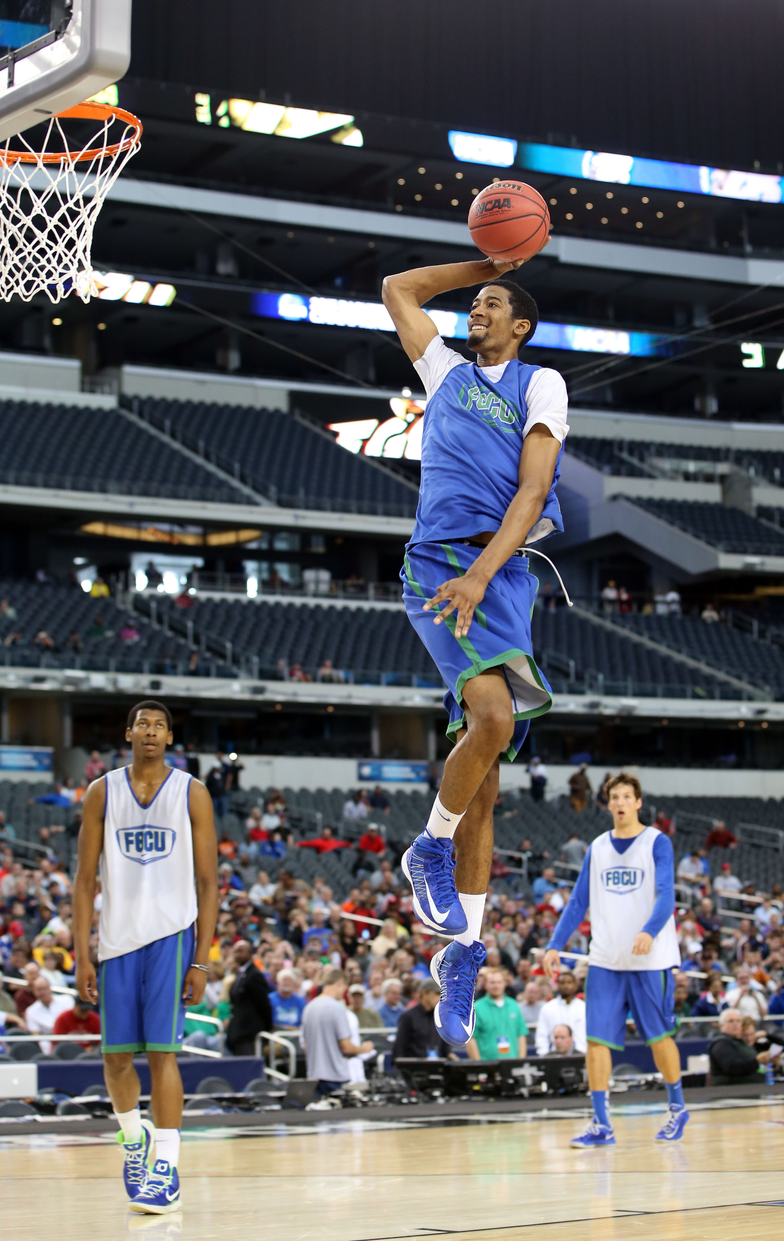 FGCU transfer Leonard Livingston is one of two new signees to Miami's basketball team.