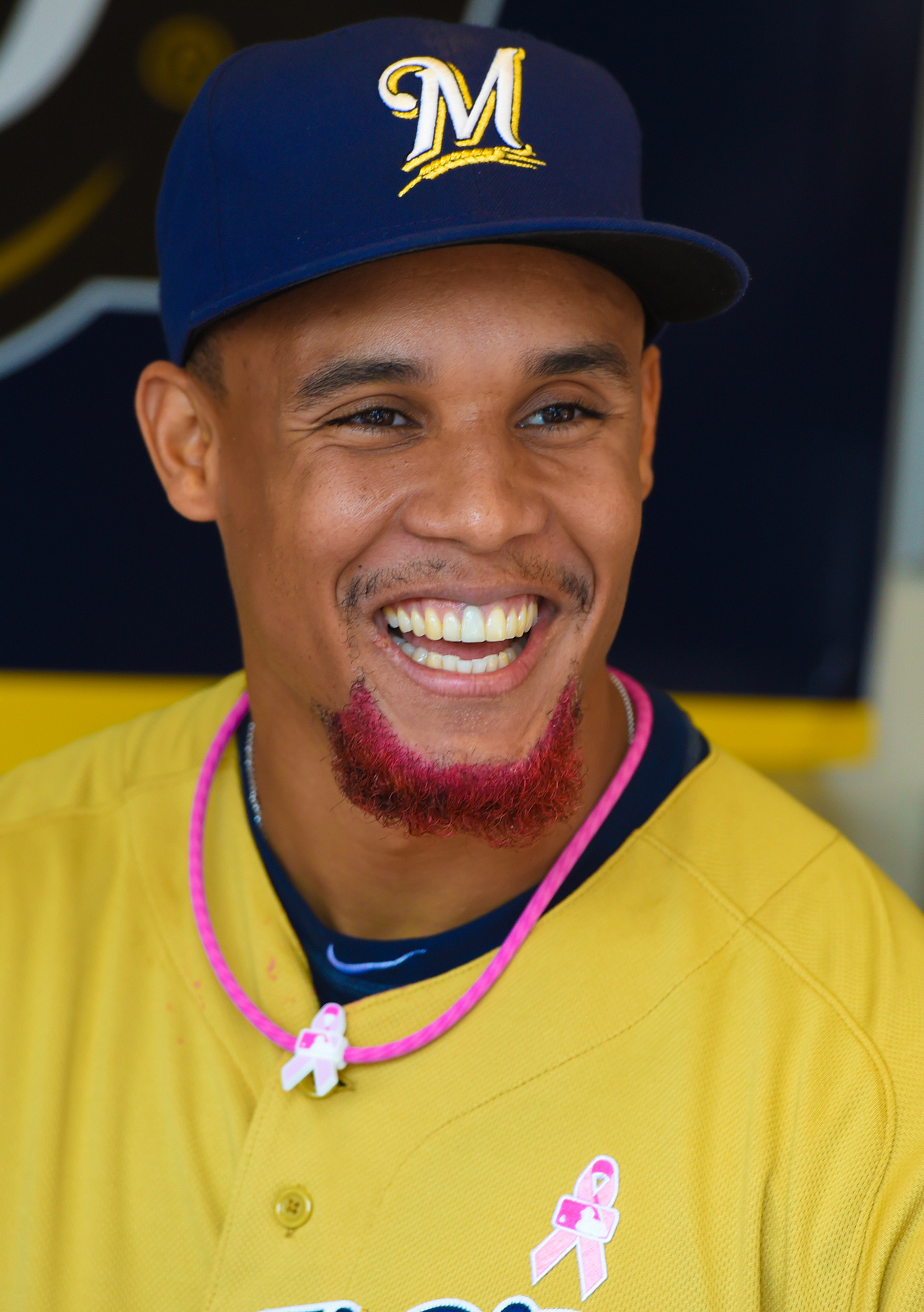 MLB roundup: Baseball sports pink for Mother's Day