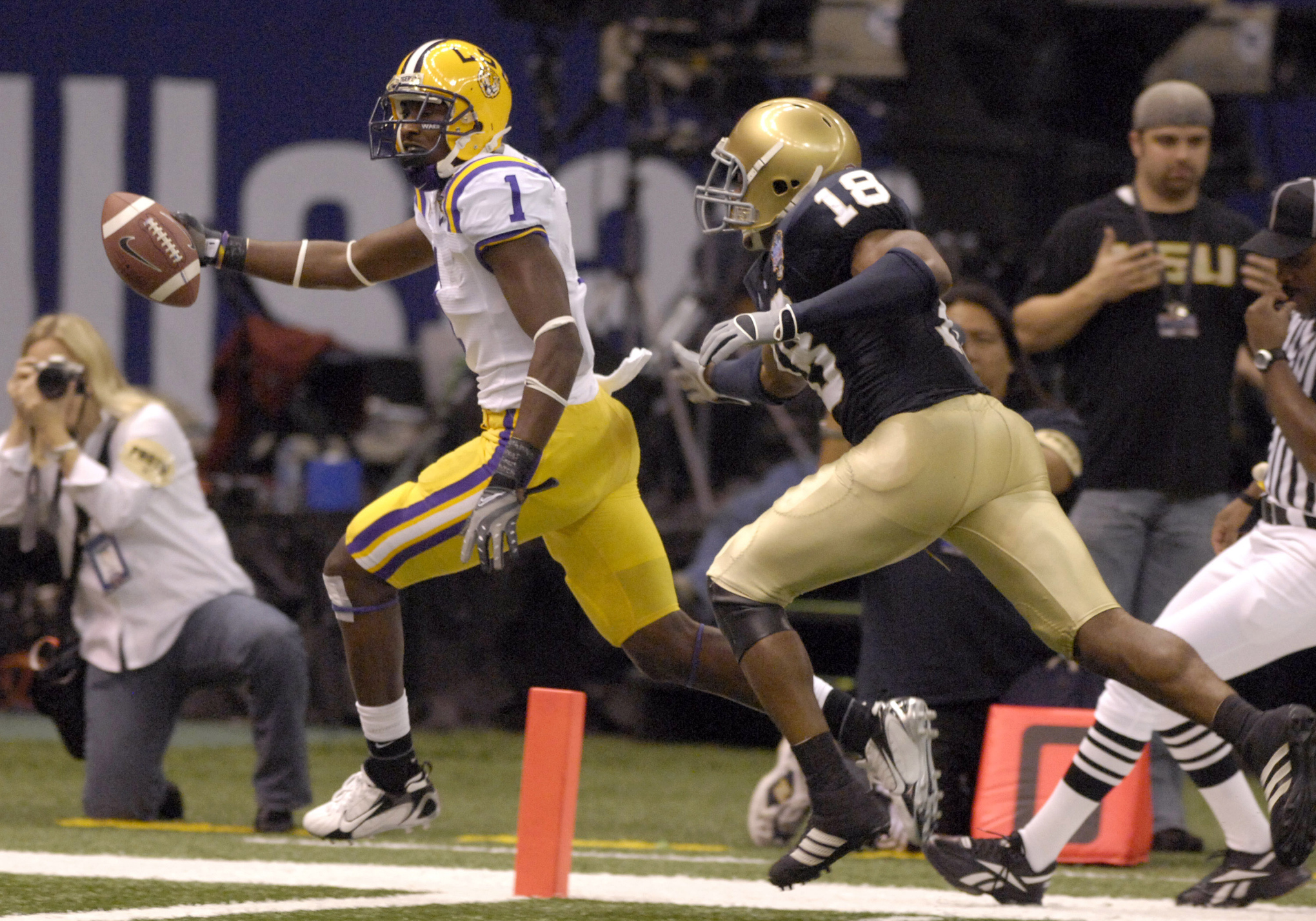 Brandon LaFell dashes to the end zone with a touchdown pass against Notre Dame in the Allstate Sugar Bowl