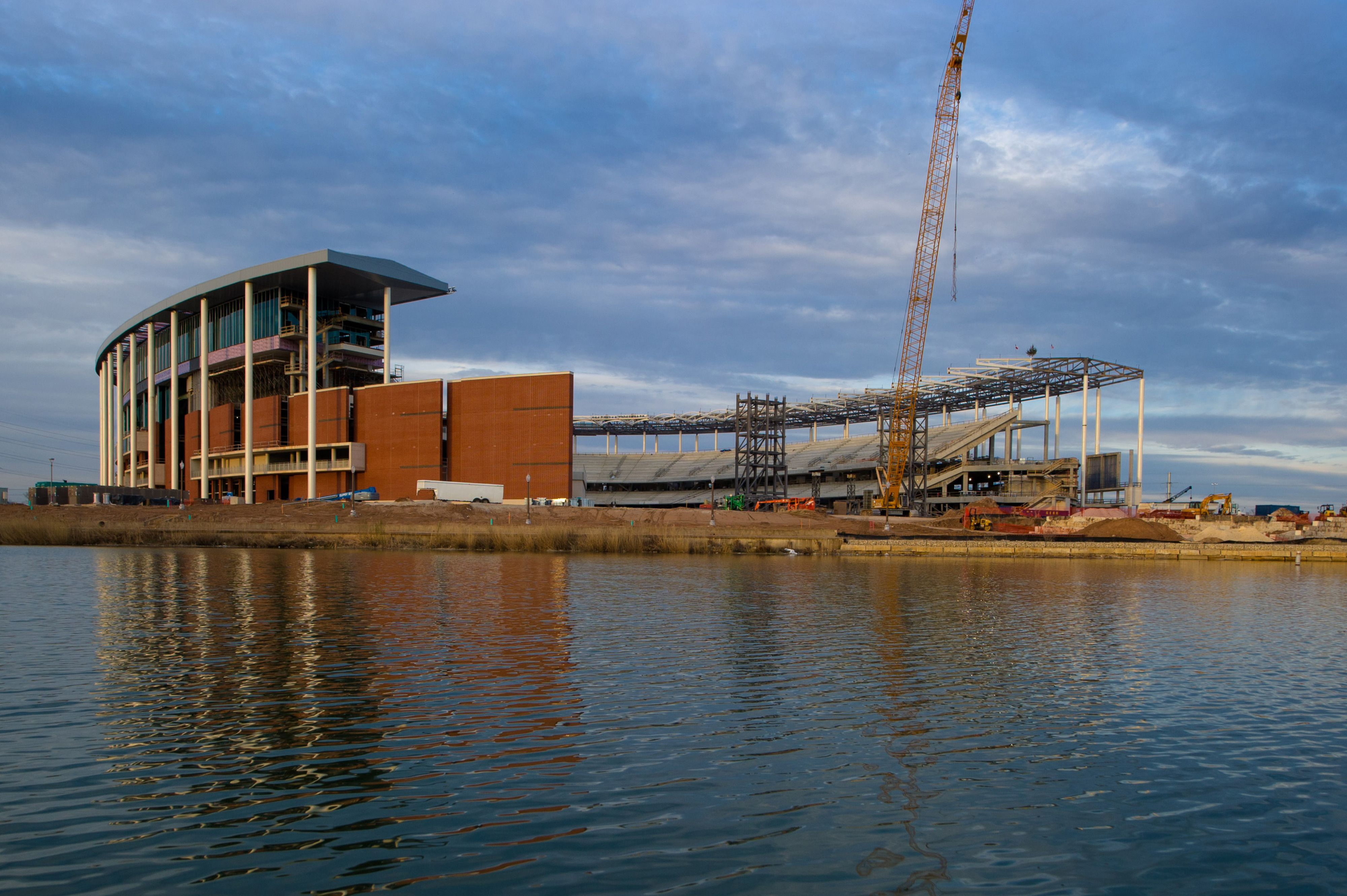 WE HAD MCLANE STADIUM PICS THE WHOLE TIME AND NOBODY TOLD ME?