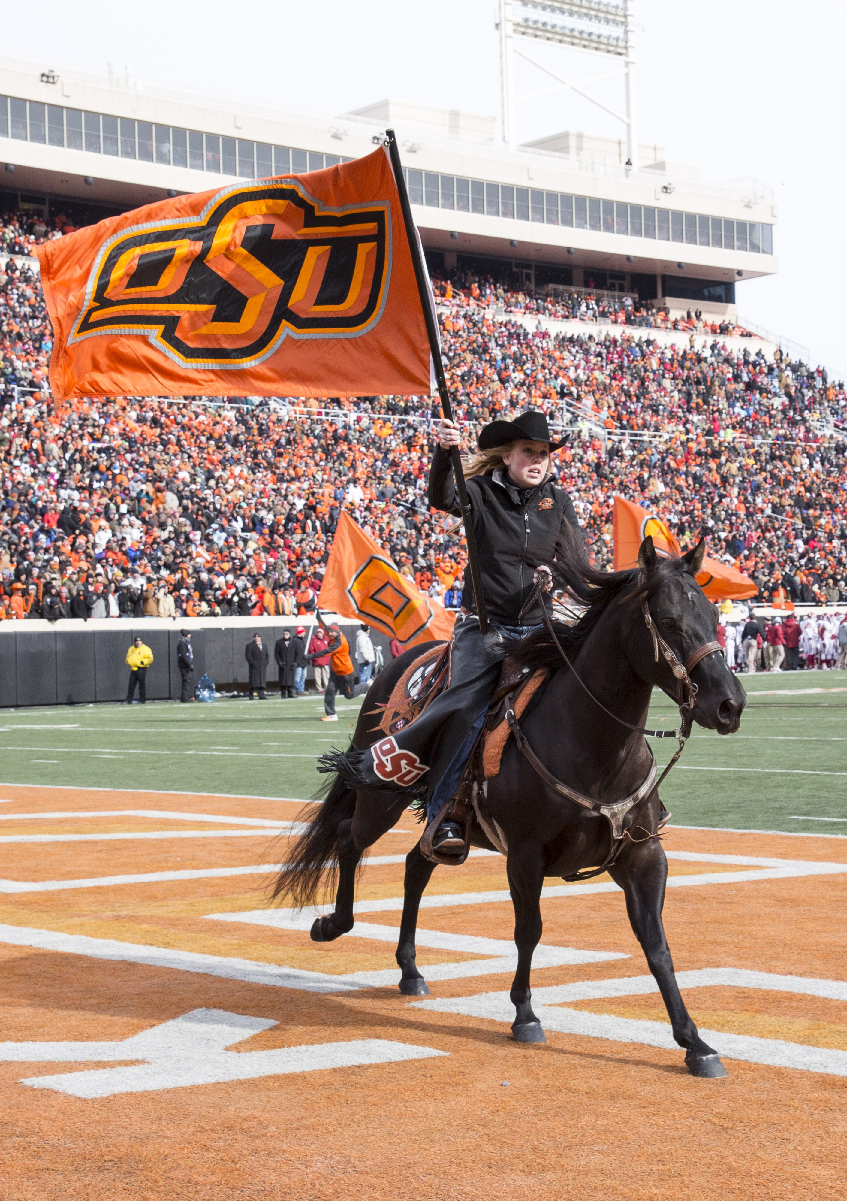 4-star Oklahoma State RB Devon Thomas charged with robbery, shooting to kill