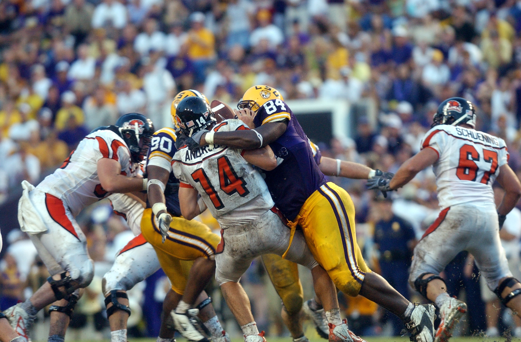 Marcus Spears #84 defensive end of the Louisiana State University Tigers makes a tackle during a game against the Oregon State Beavers