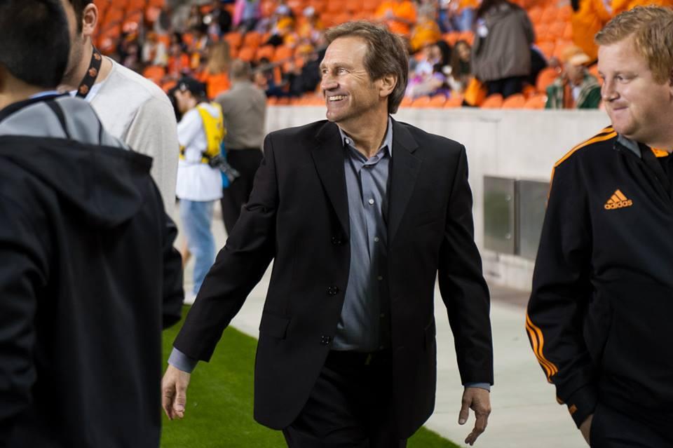 Randy Waldrum tiene razones para volver a sonreír