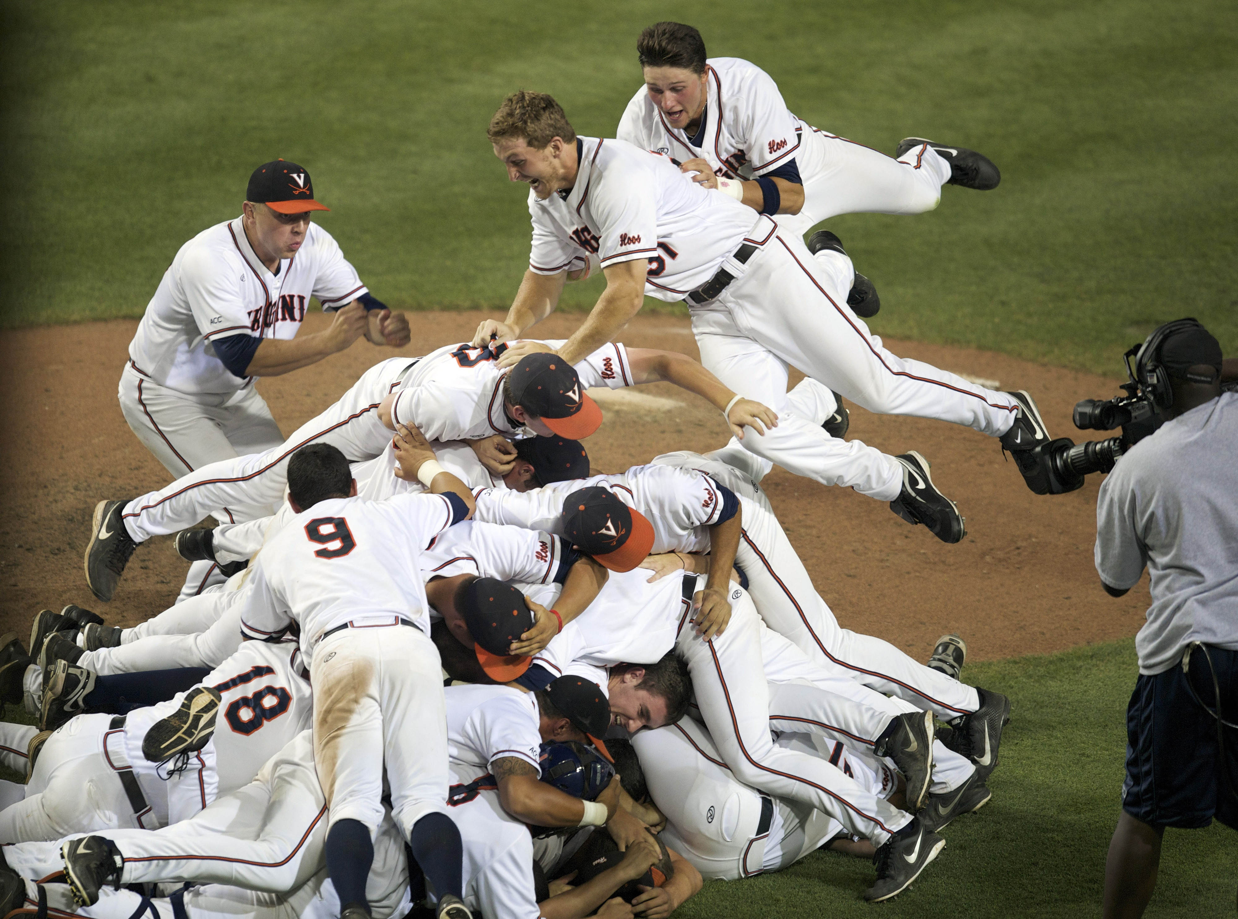 Dogpiling before winning it all? Interestng karmic strategy.