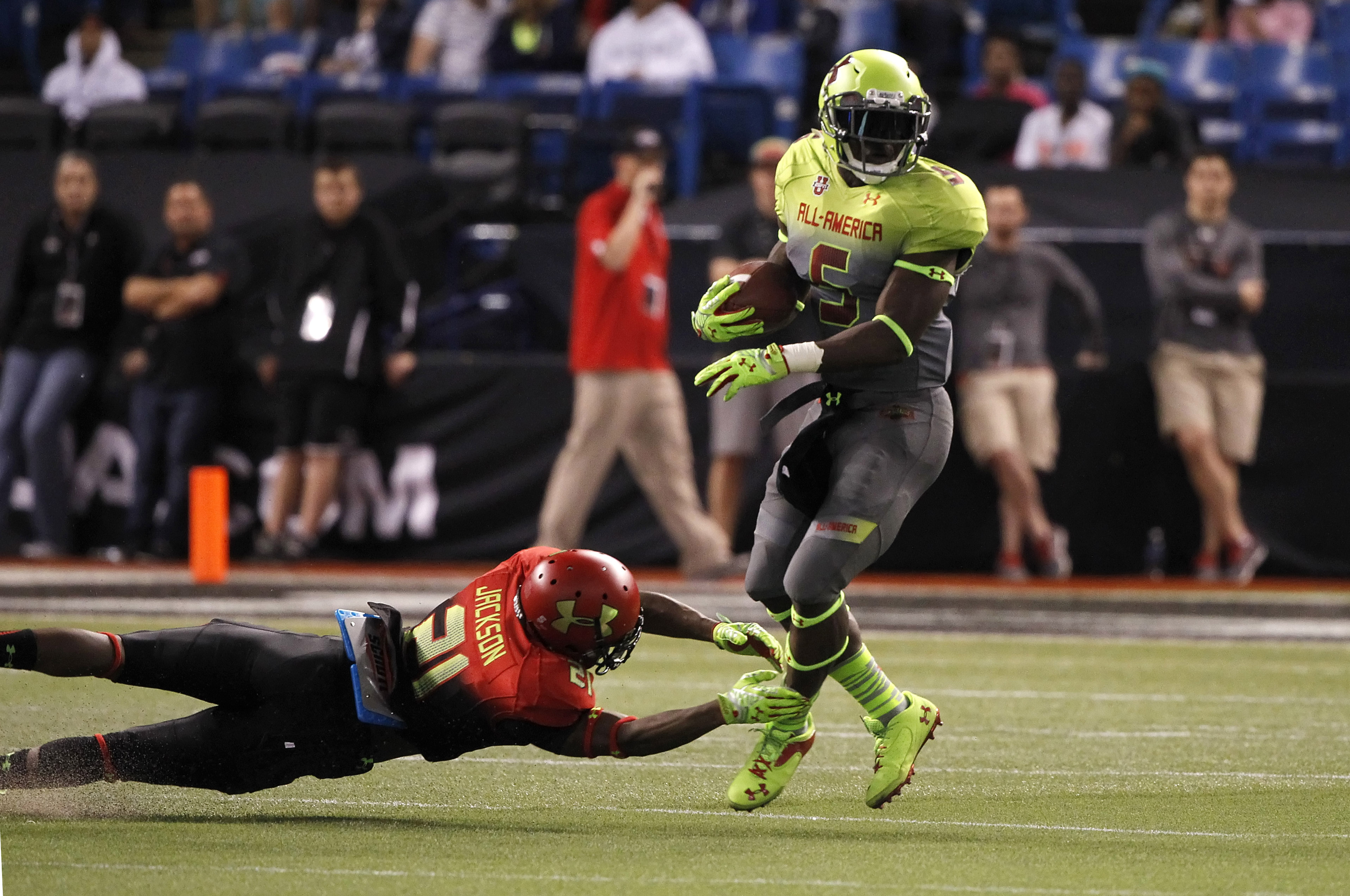 Jabrill Peppers (5) at the Under Armour All-America Game.