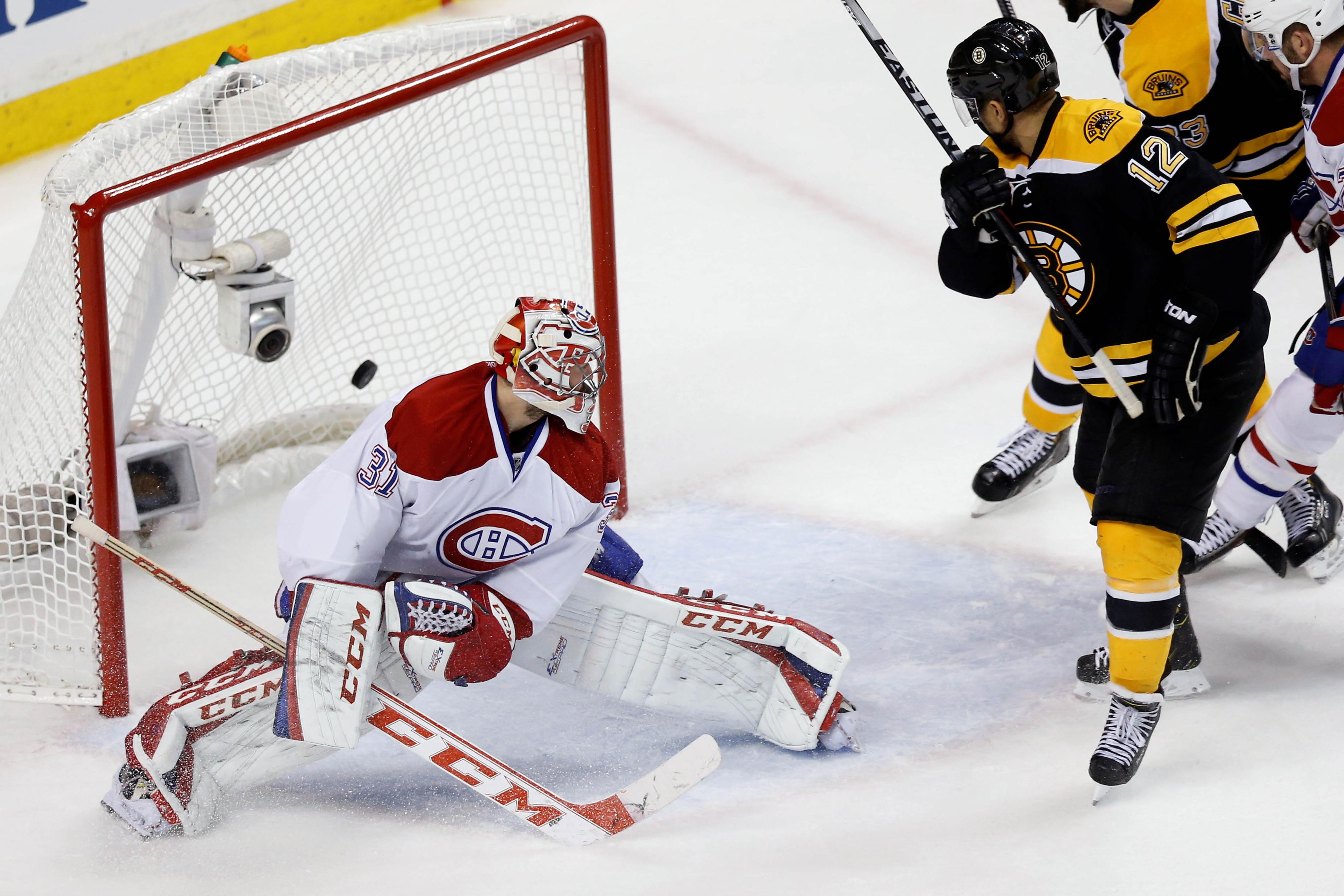 Iginla scoring the last goal of the Bruins' season.