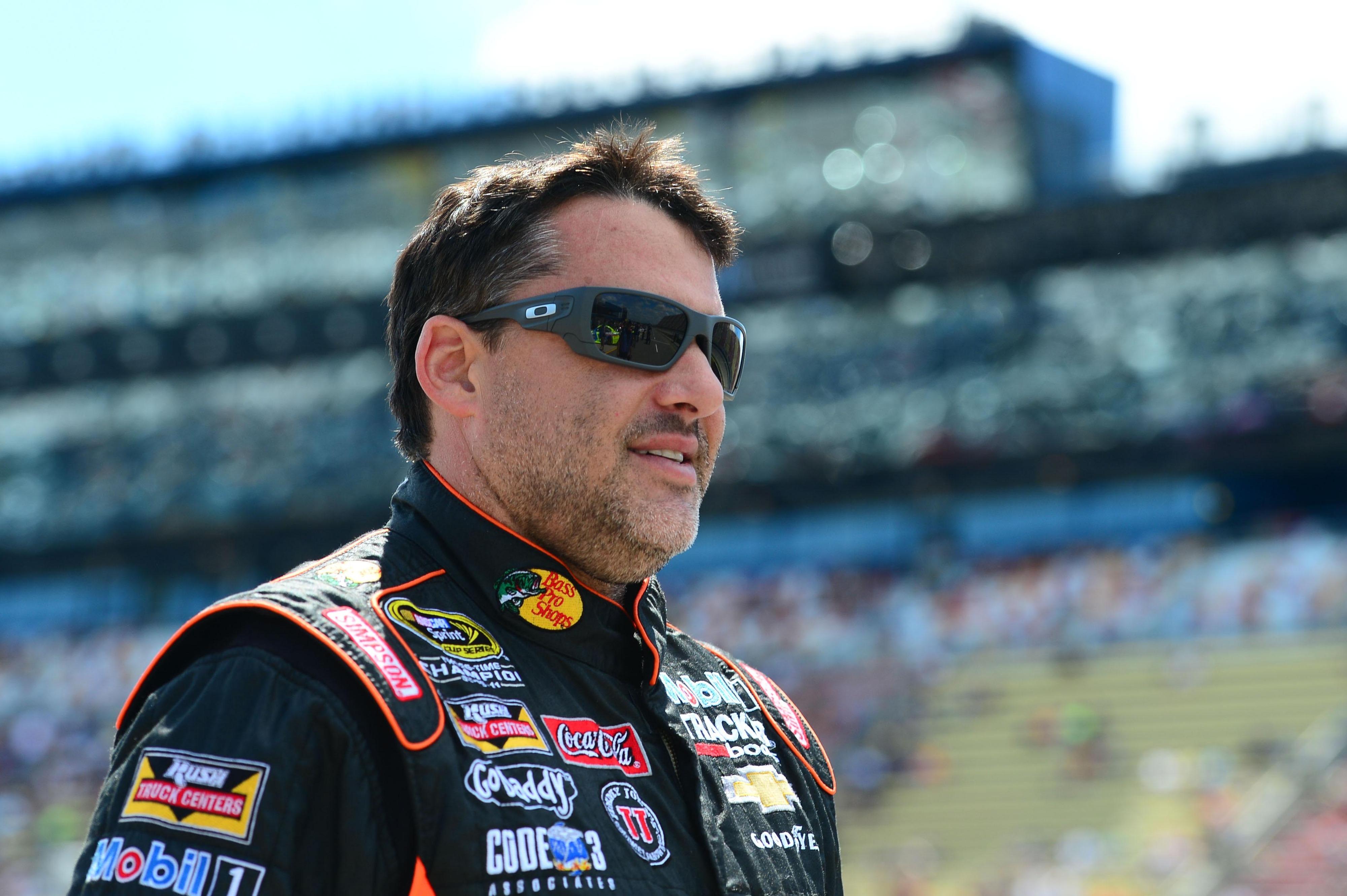 NASCAR Sonoma 2014: Tony Stewart warns Kyle Larson about blocking