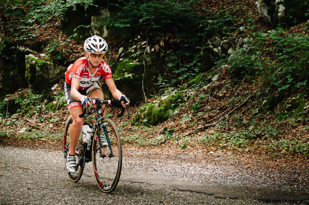 Emma Pooley attacking solo, Stage 6 Giro Rosa