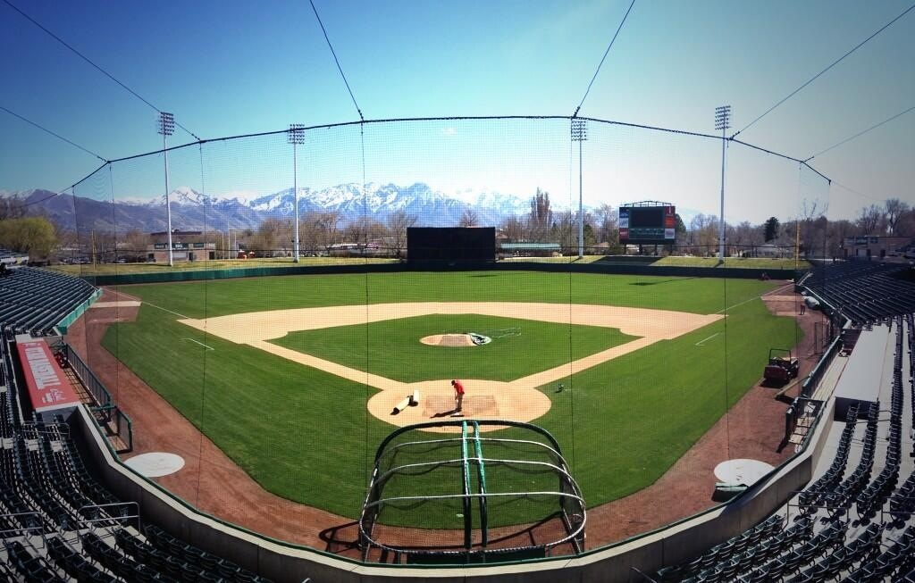 Utah baseball will try to improve this season on last year's 16-36 finish, starting with a solid recruiting class.