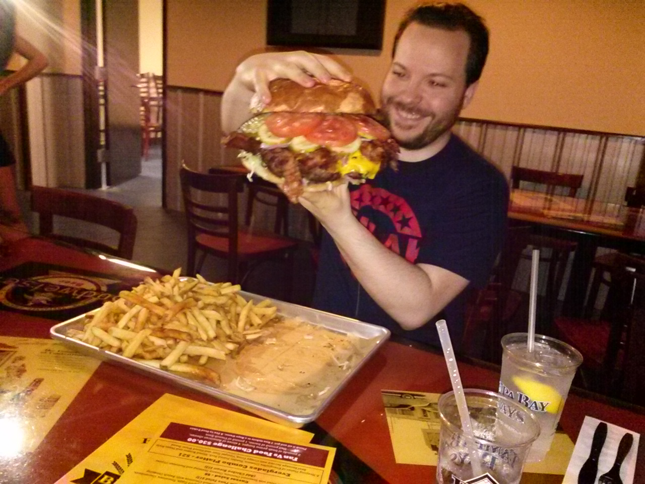 The Rays' 4-pound burger is impossible to eat