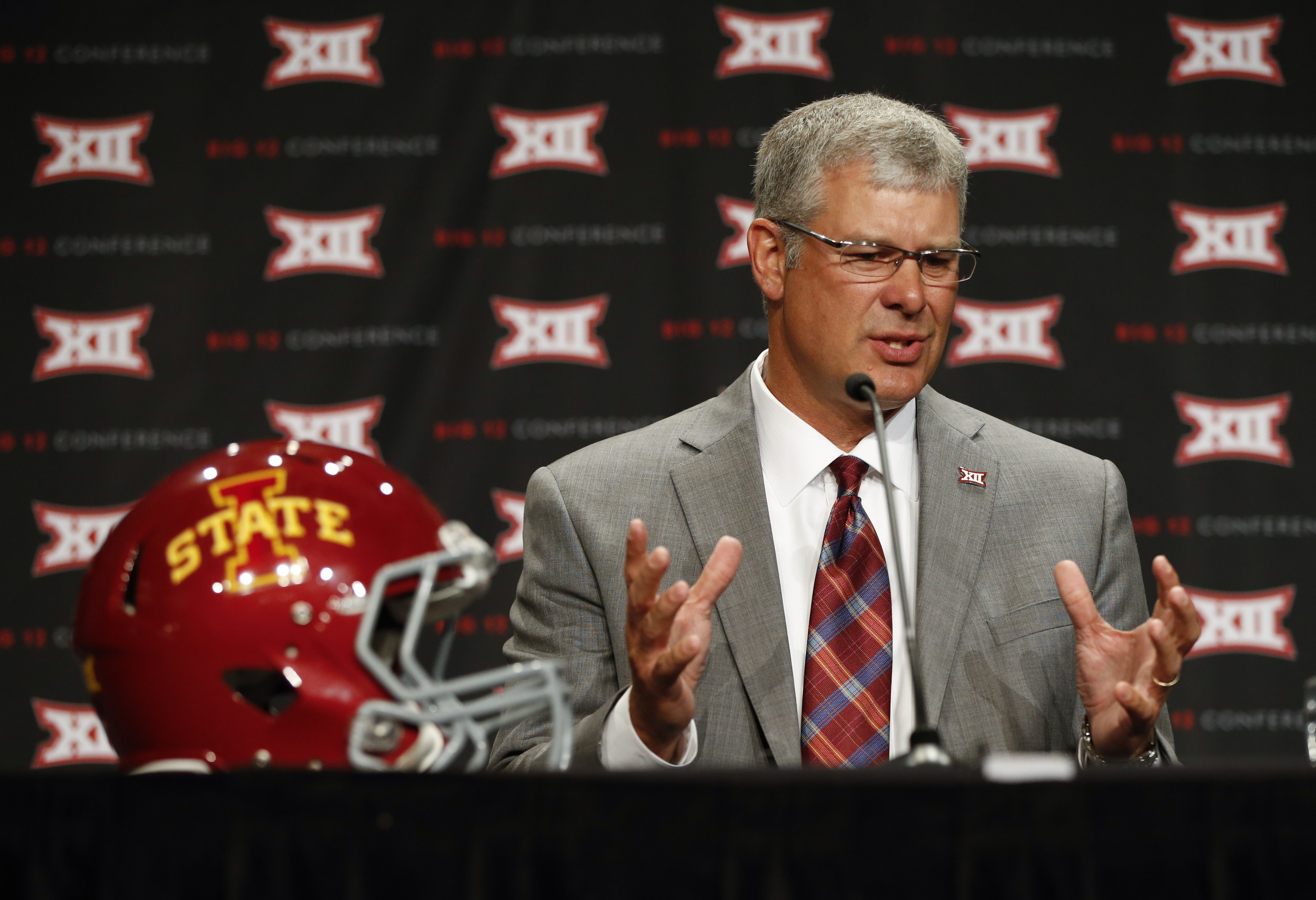 Paul Rhoads tells the media what it's like to use the bathroom after Mark Mangino.