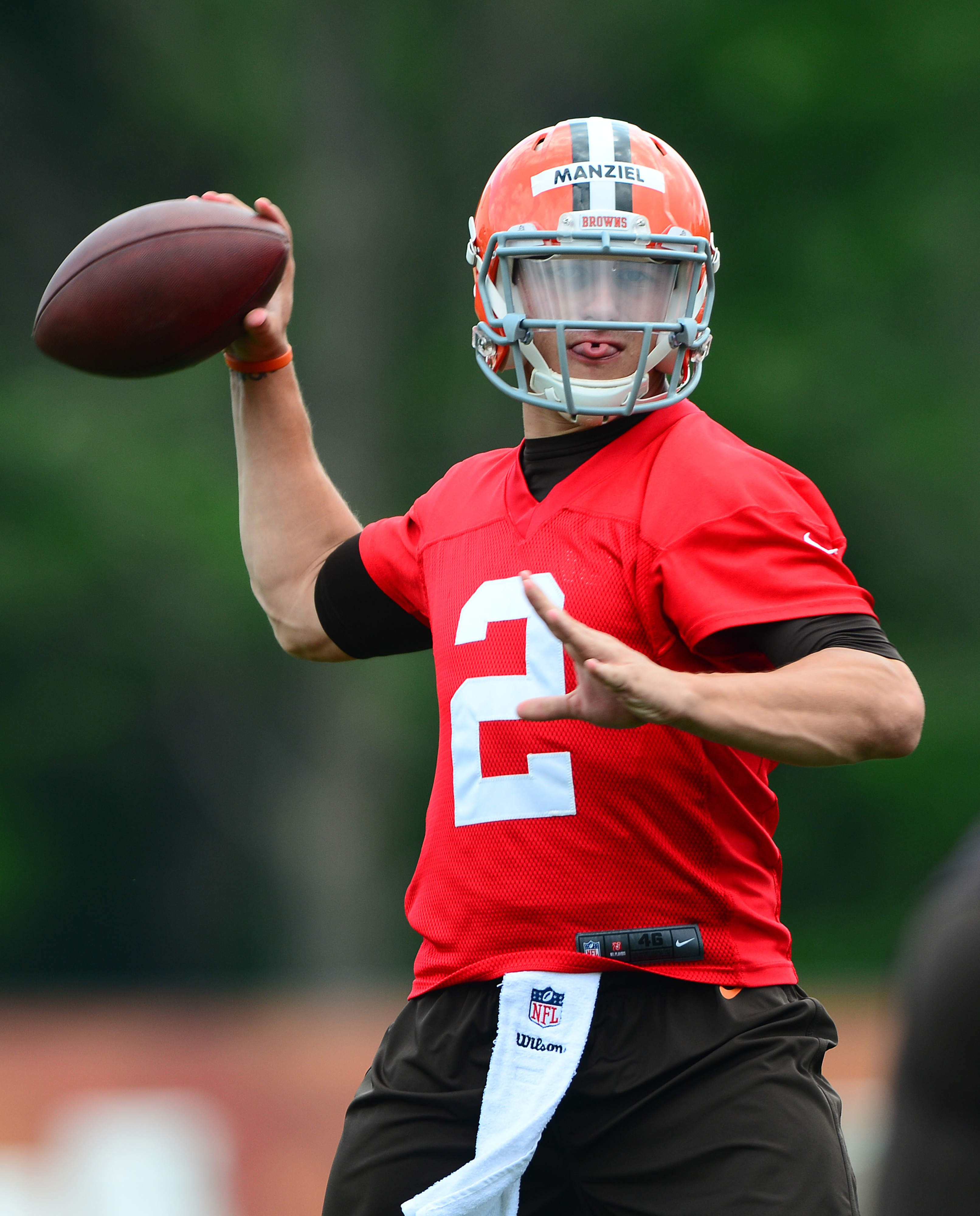 Browns 'alarmed' by Johnny Manziel's partying, per report