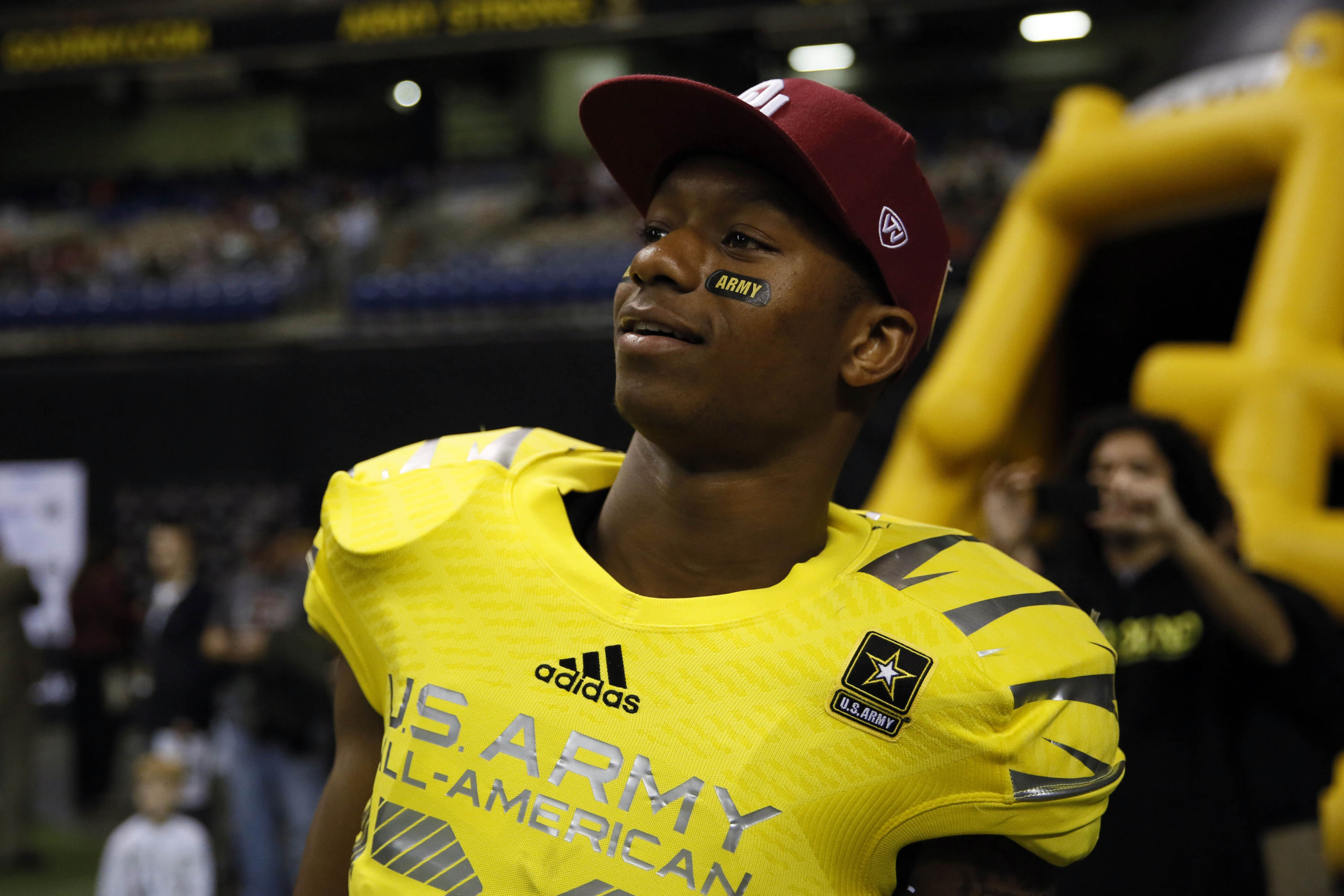 5-star Oklahoma RB Joe Mixon involved in 'serious altercation,' according to reports