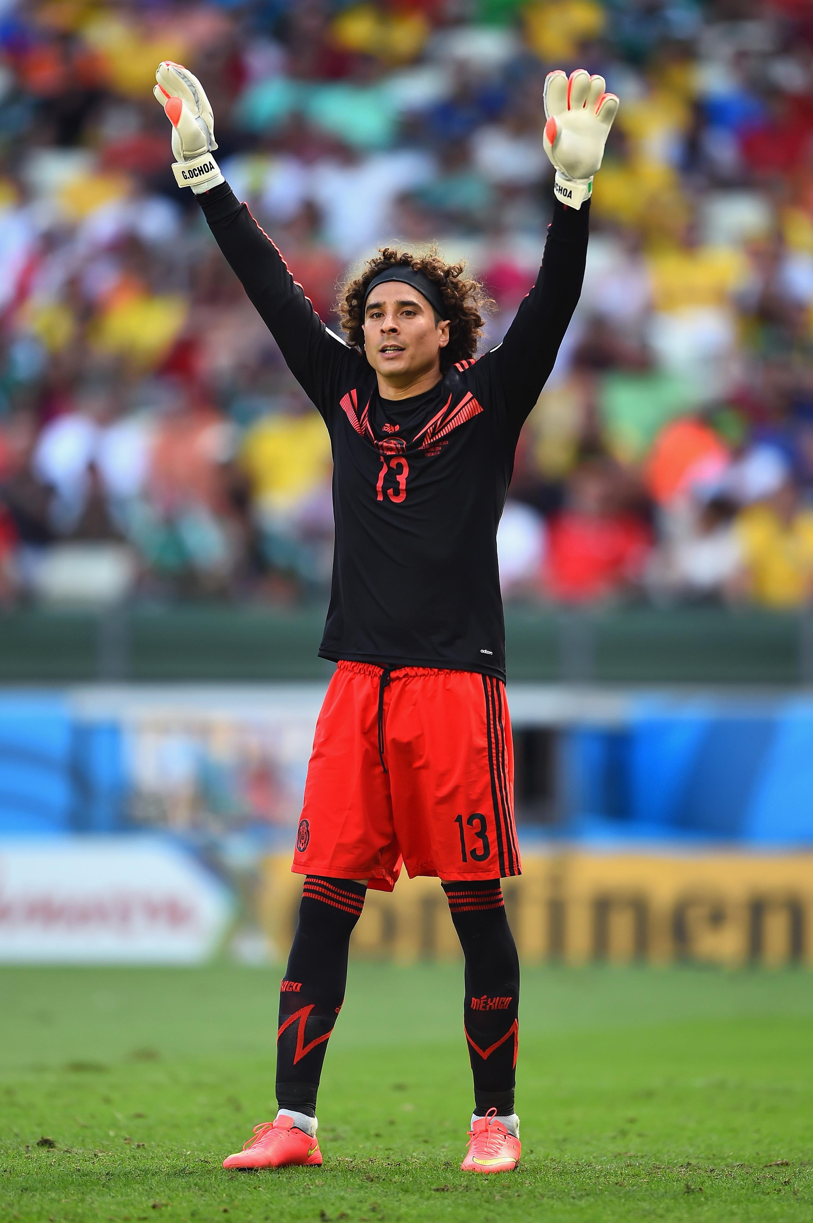 Memo Ochoa signs with Malaga