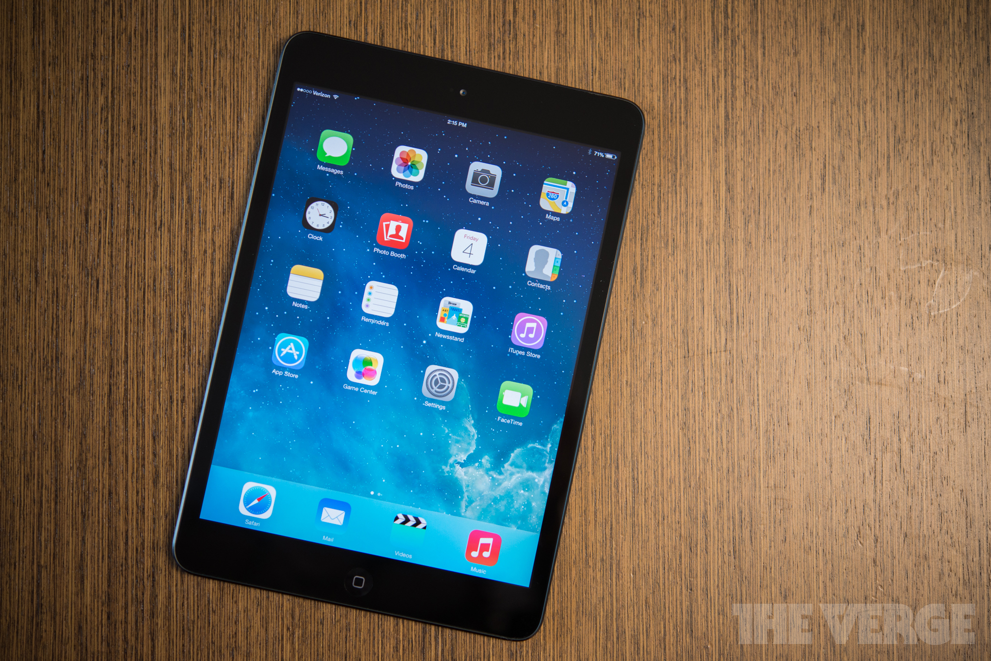China bans iPads and MacBooks from government use in clampdown on US companies