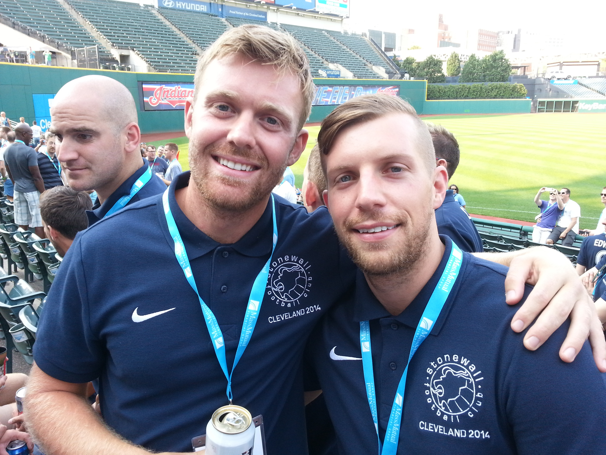 Two English soccer players will play for Stonewall Football Club.