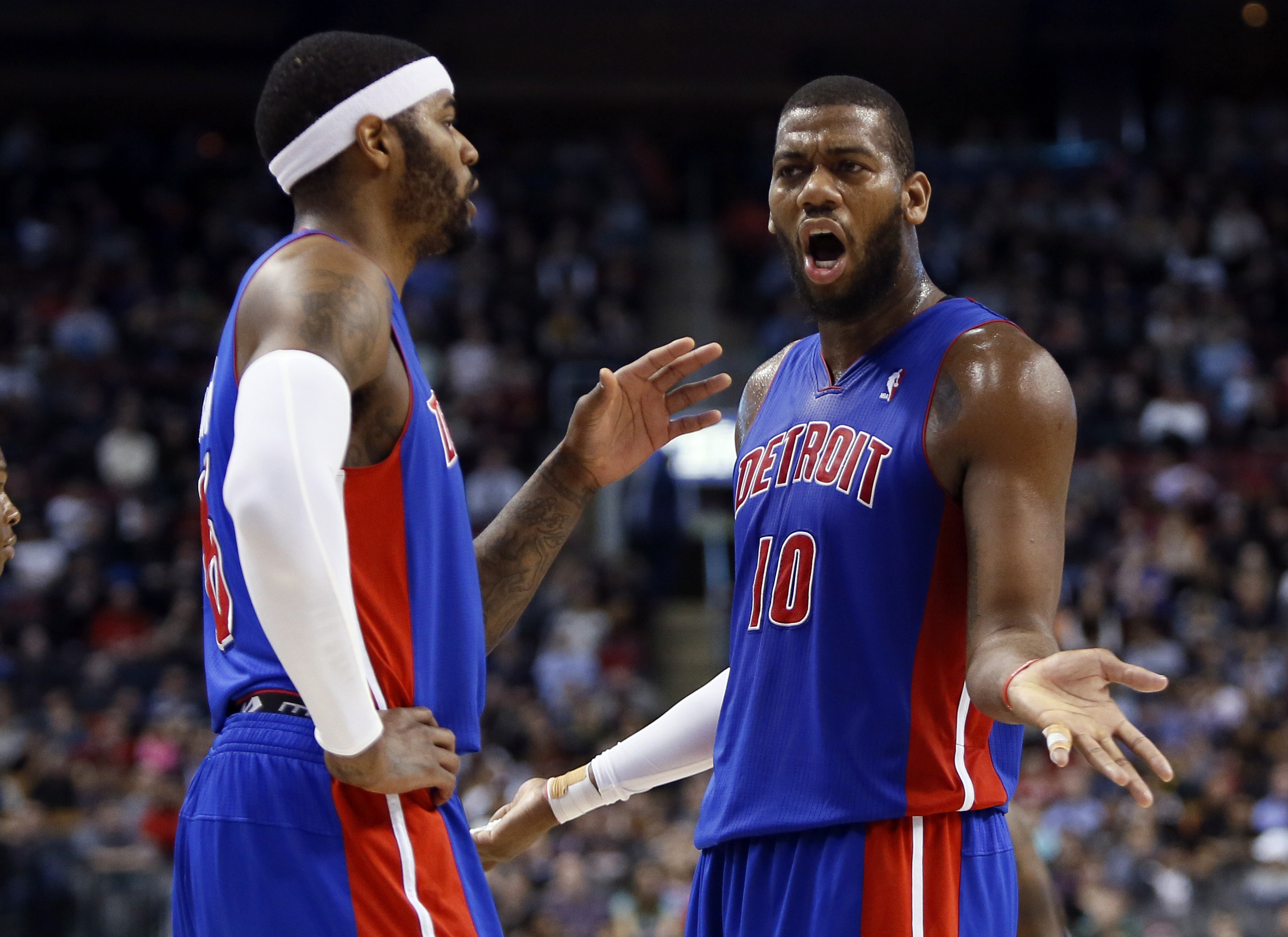 Greg Monroe willing to sign qualifying offer with Pistons, per report