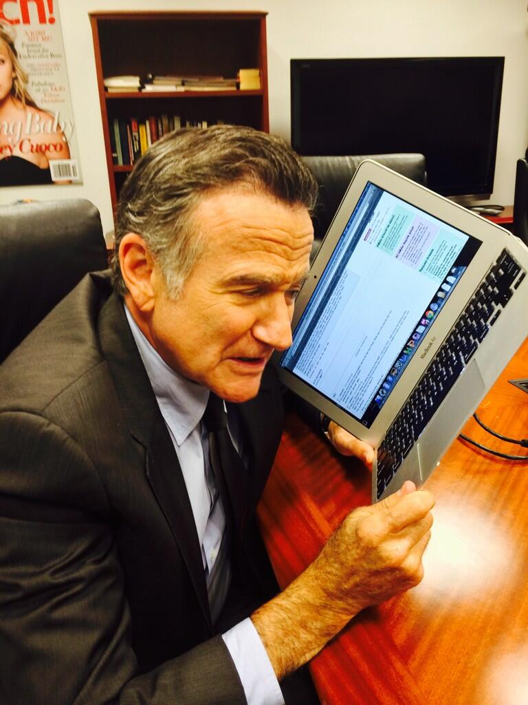 Robin Williams getting ready to work the Reddit.