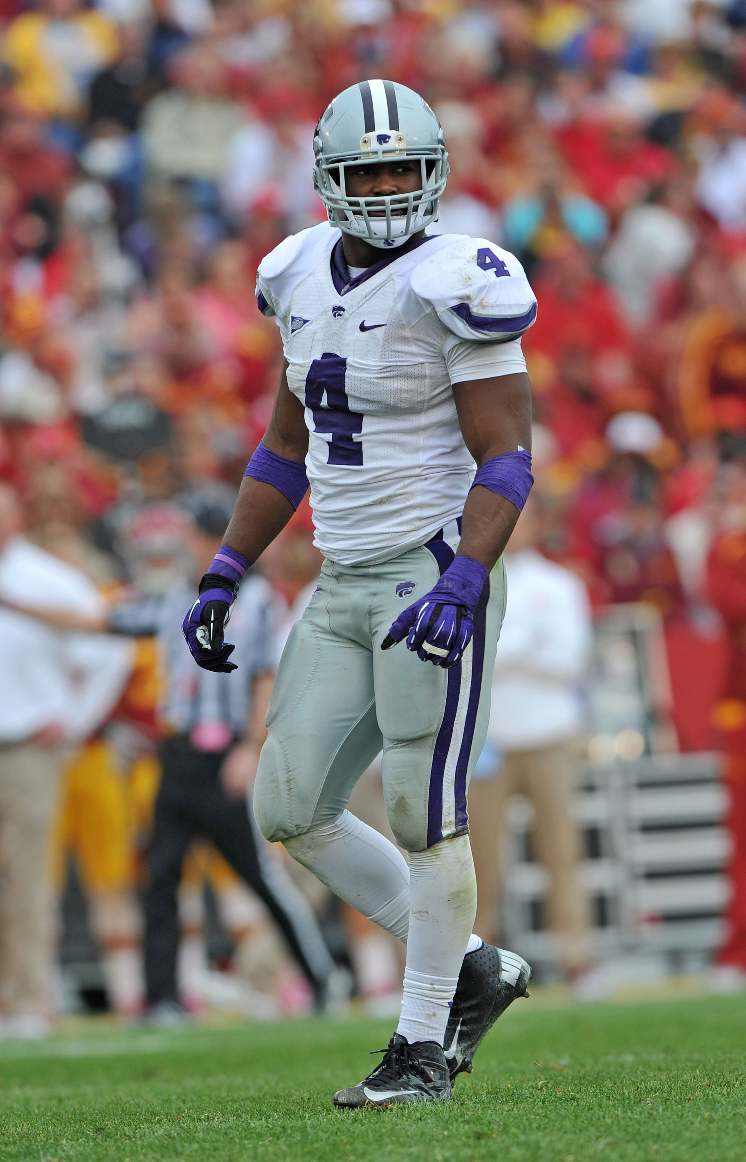 I really don't want to overhype him due to his late arrival, but D'Vonta Derricott truly has the potential to be the next Arthur Brown.