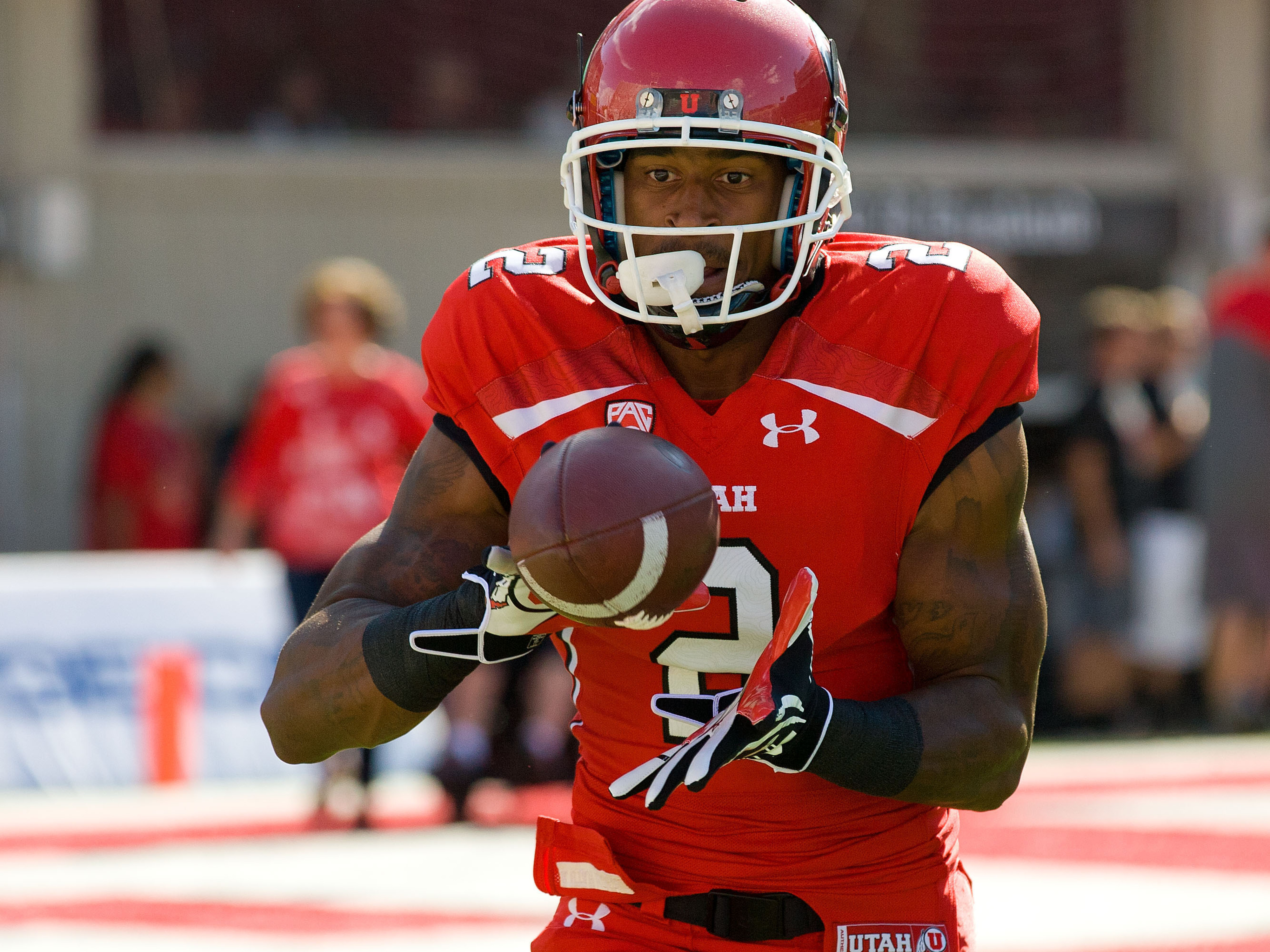 Utah wide receiver Kenneth Scott had the highlight of practice with a long pass from quarterback Travis Wilson.