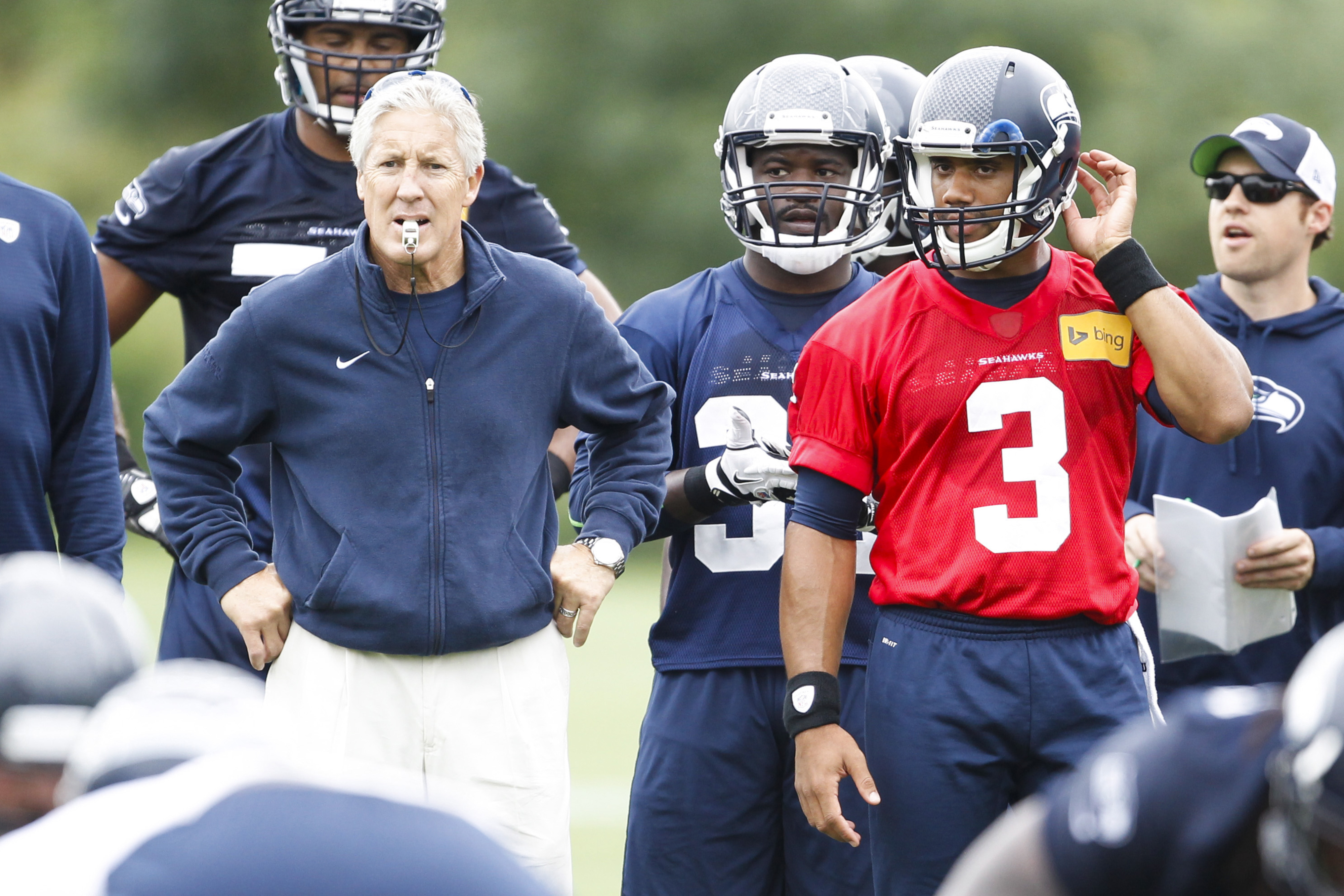 Seahawks, Pete Carroll fined for violating NFL's offseason non-contact rules, per report