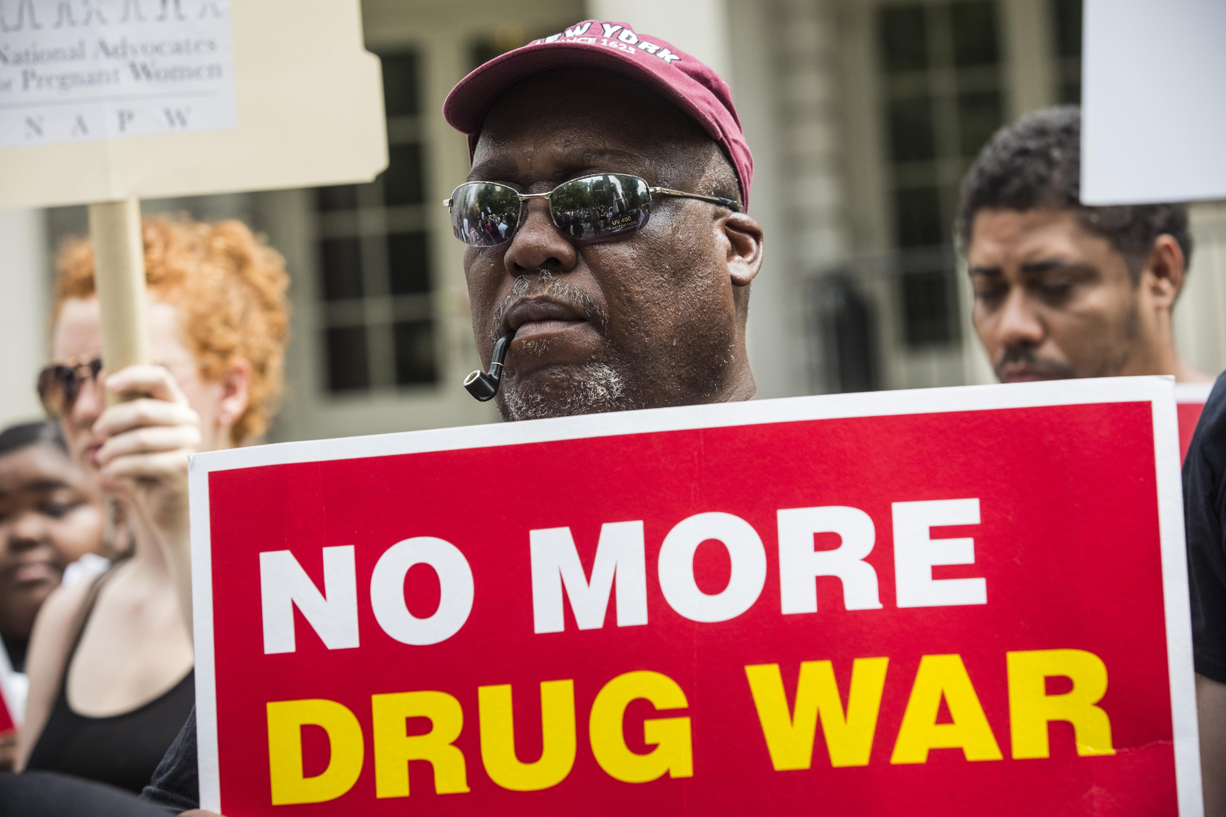 Pentagon - the main drug dealer in Syria 15