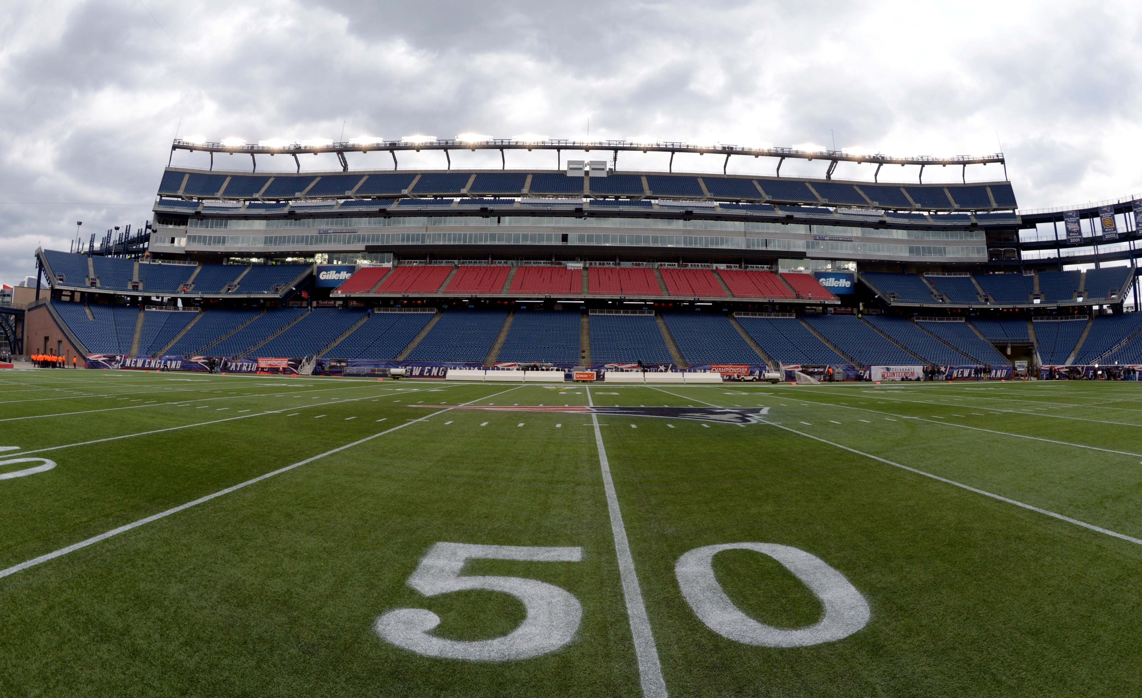 [Musberger voice] You are looking LIVE at a quarter-filled Gillette Stadium ... [Musberger voice]