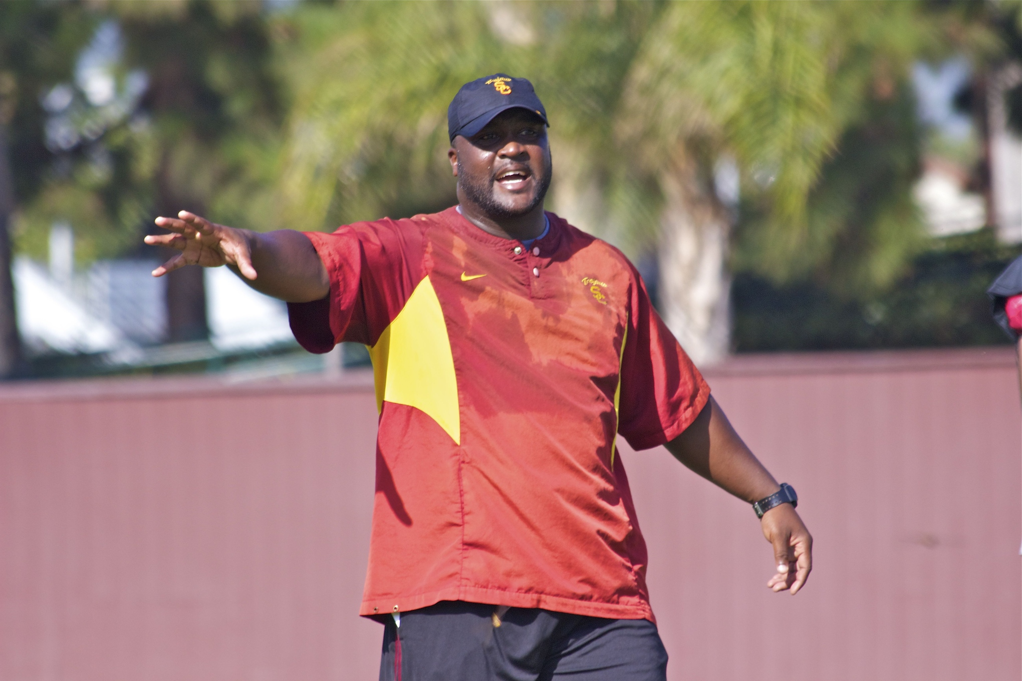 Tee Martin gives instruction to the receivers.