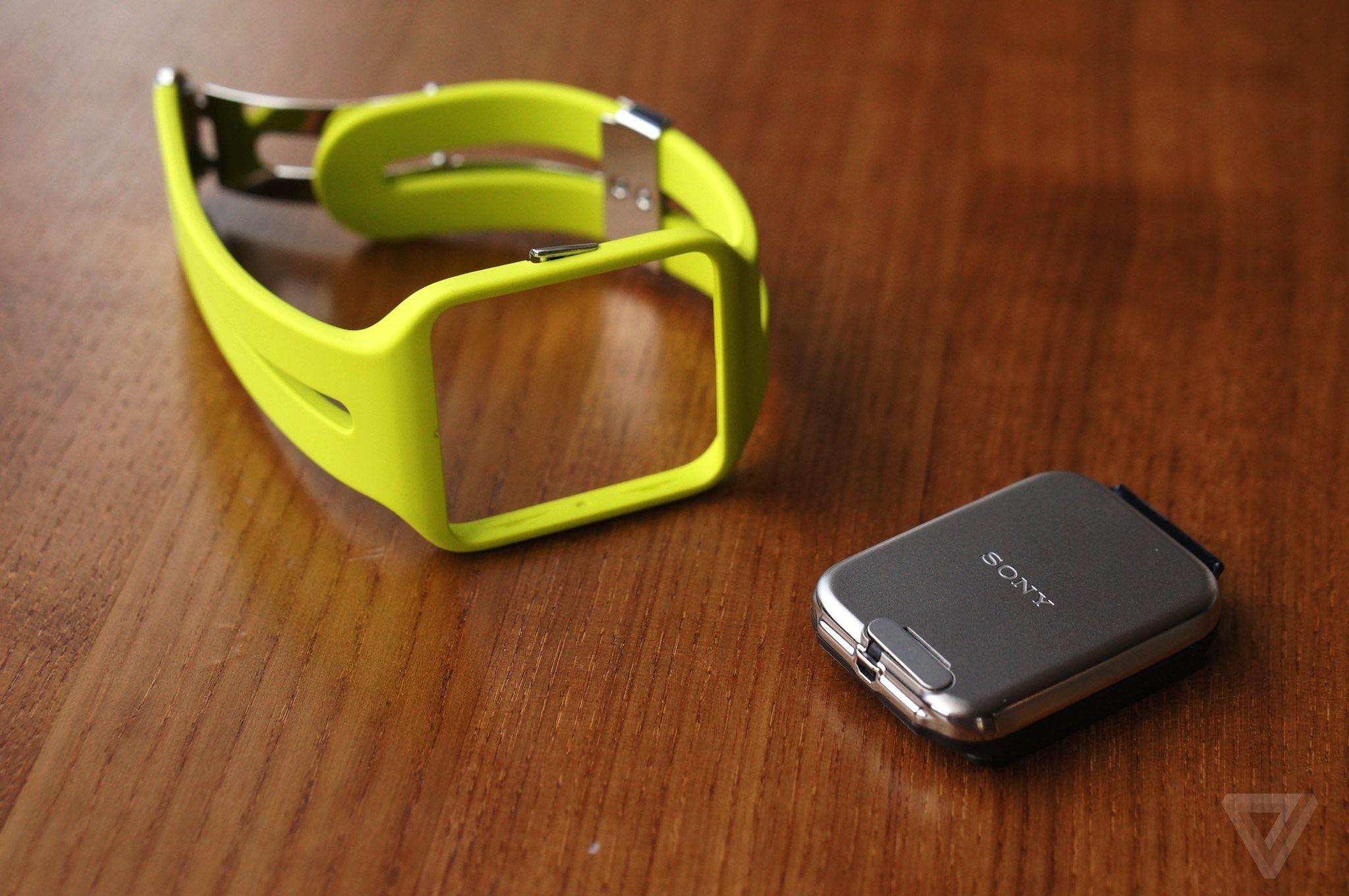 smartwatch sony the verge. Black Bedroom Furniture Sets. Home Design Ideas