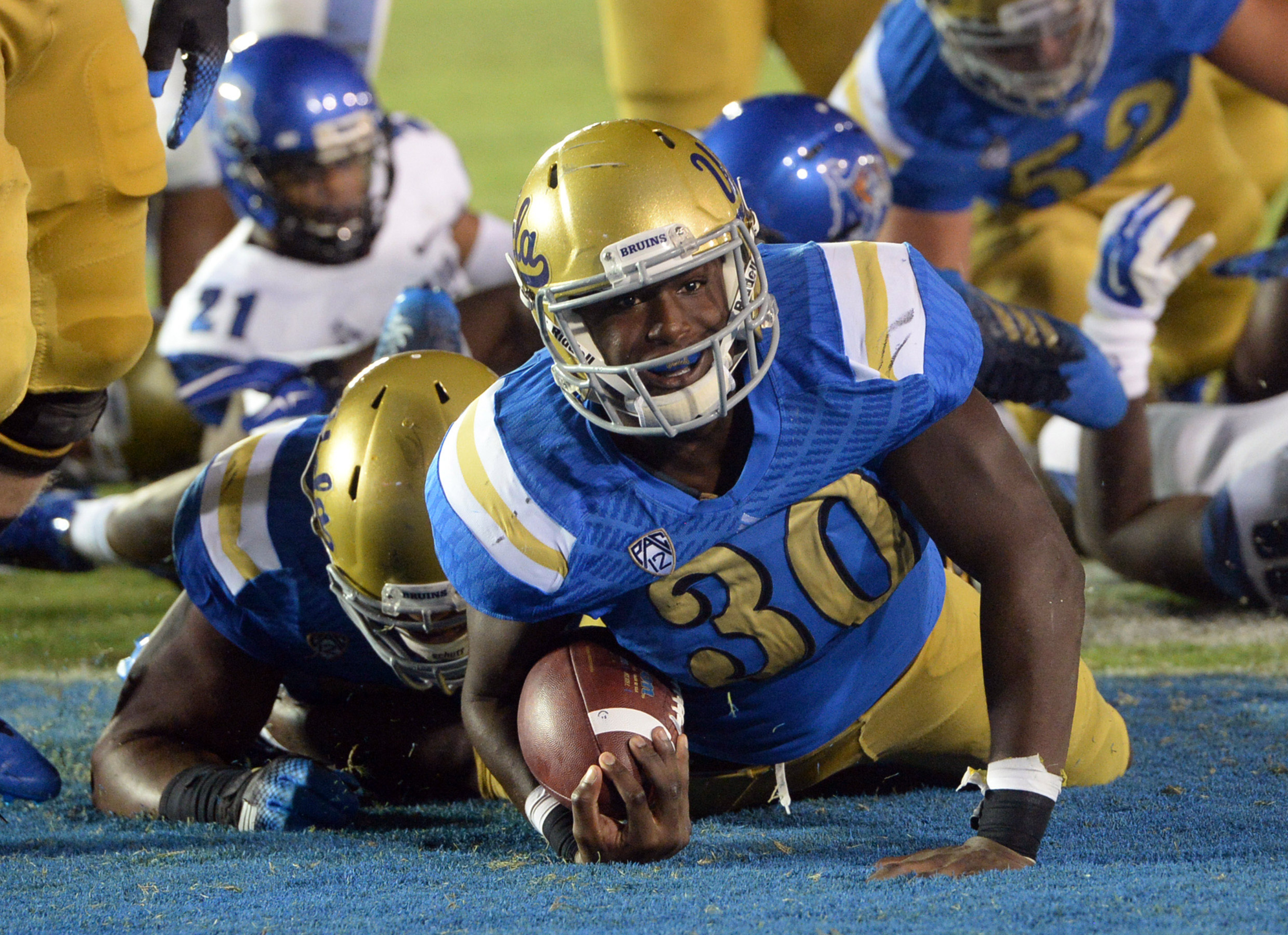 Myles Jack returned to the offense last night at the Rose Bowl.