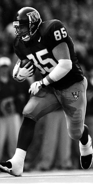 Husky legend and former NFL TE, Cam Cleeland