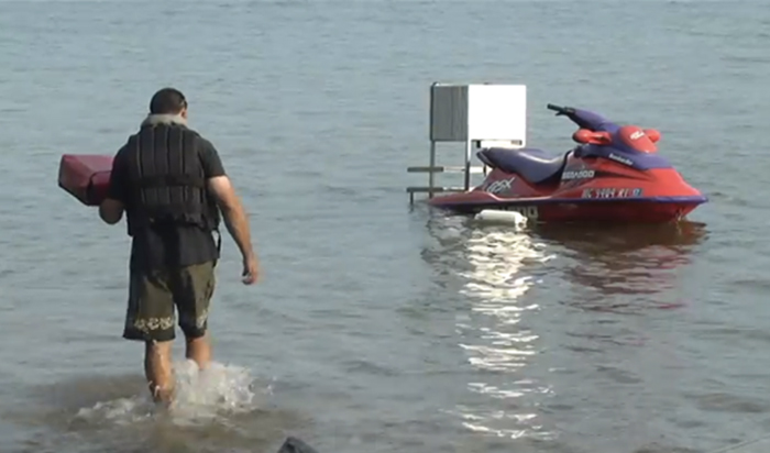Jet Skis Are One Pizzeria's Delivery Method of Choice