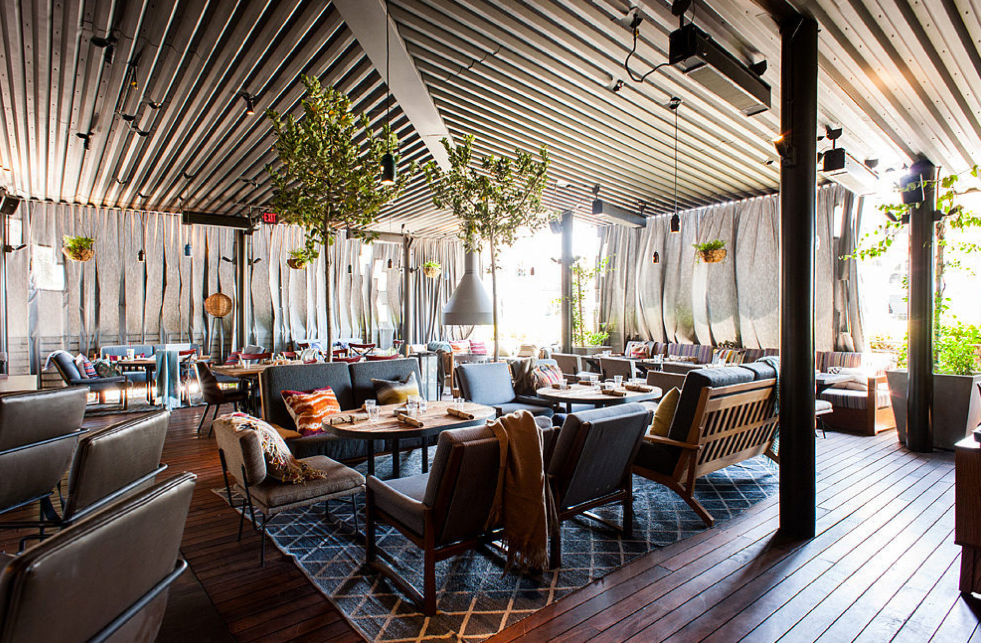 """<a href=""""http://la.eater.com/archives/2014/07/17/hyde_sunset_a_gorgeous_new_weho_restaurant.php"""">HYDE Sunset, LA</a>"""