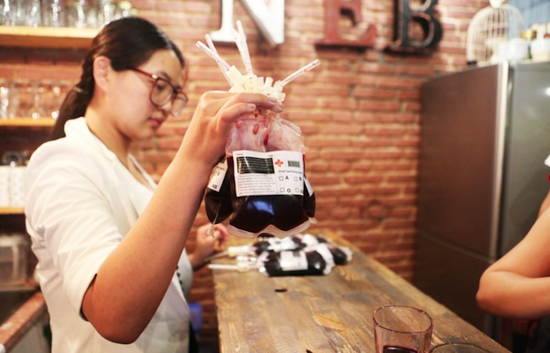 Vampire-Themed Cafe Serves Drinks in Blood Bags