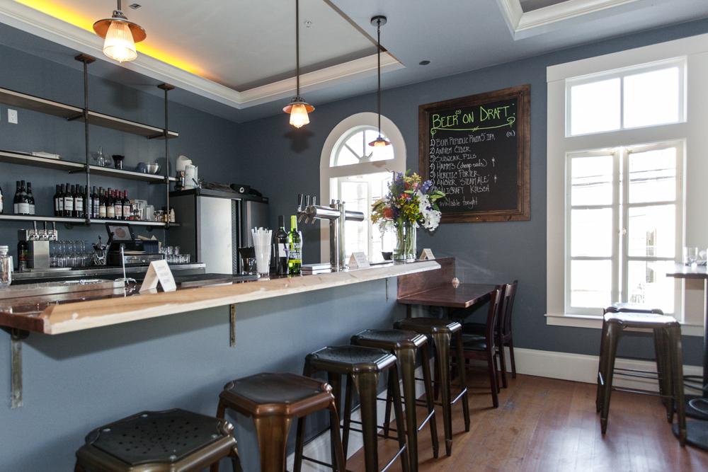 The upstairs bar at Urban Putt.