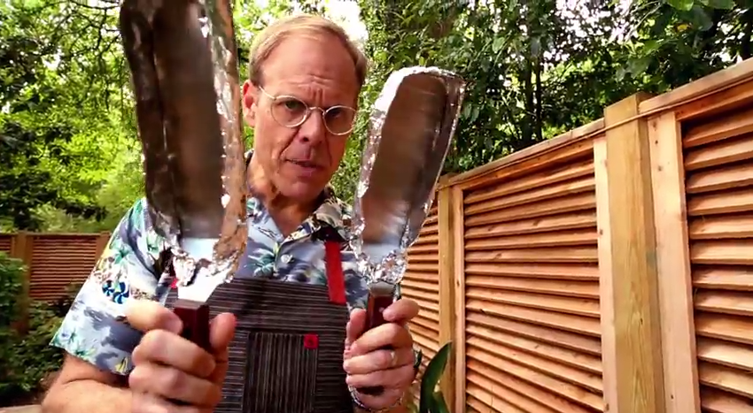 Watch Alton Brown's Complicated Grilled Cheese Method