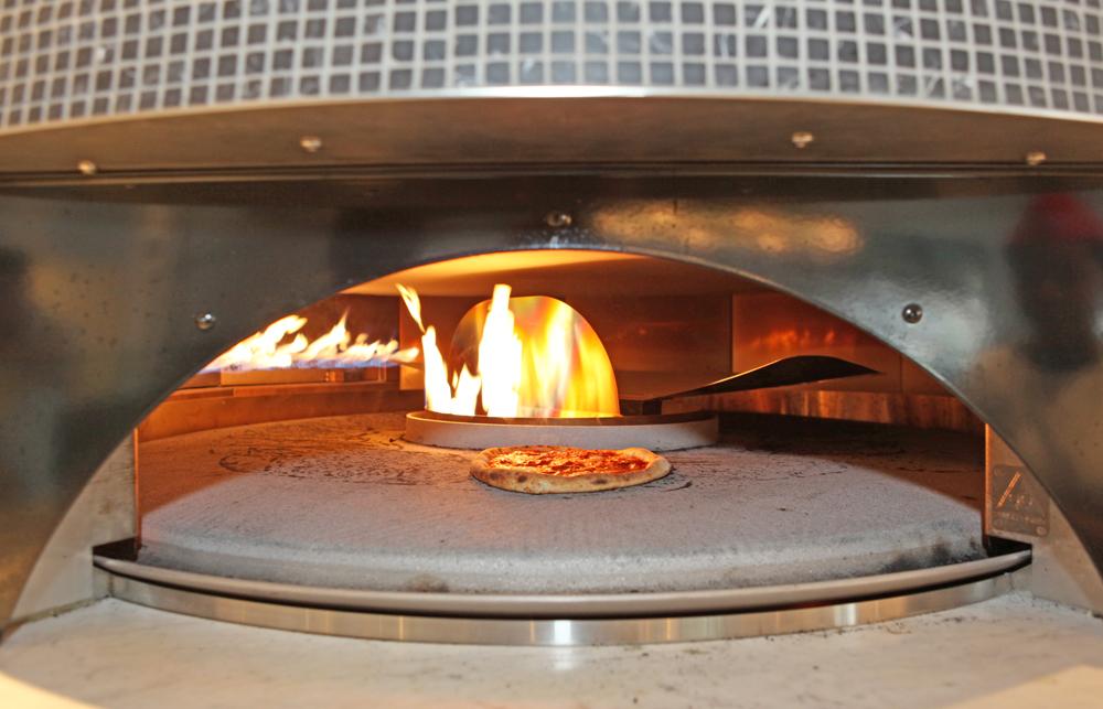Pizzeria Locale Oven