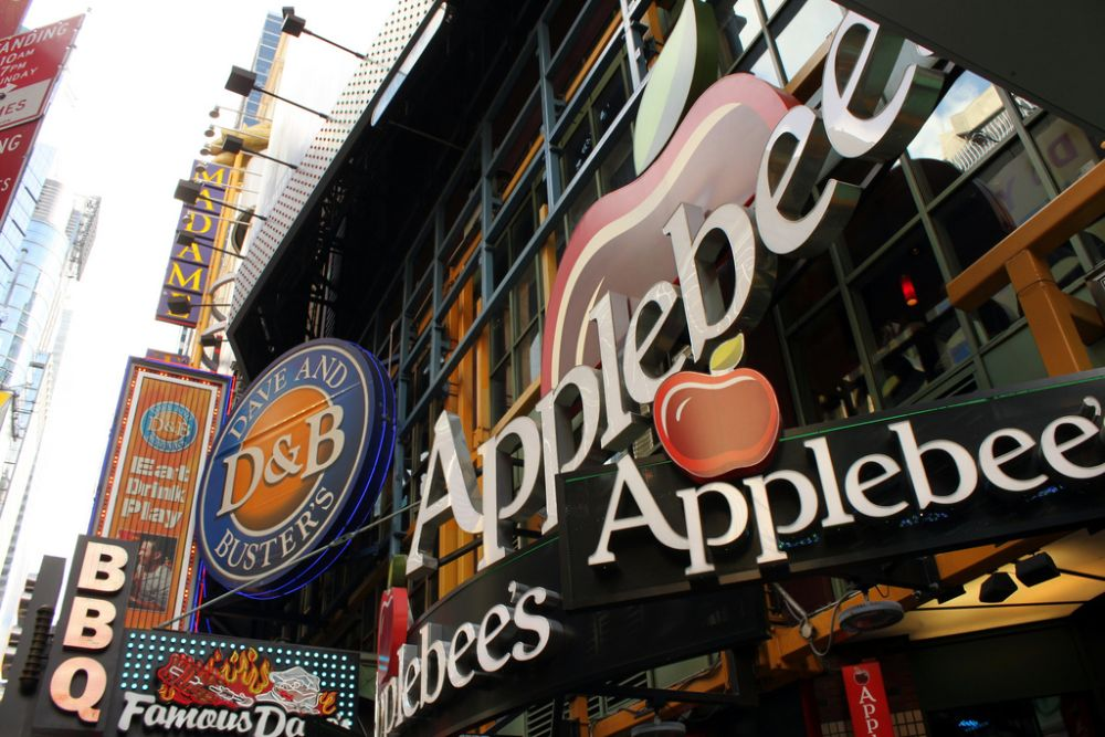 Times Square Applebee's Charging $375 for NYE Dinner