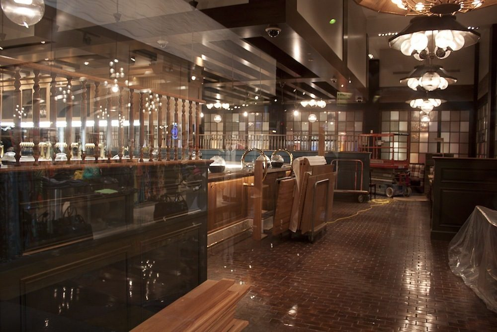 A look inside Pub 1842.
