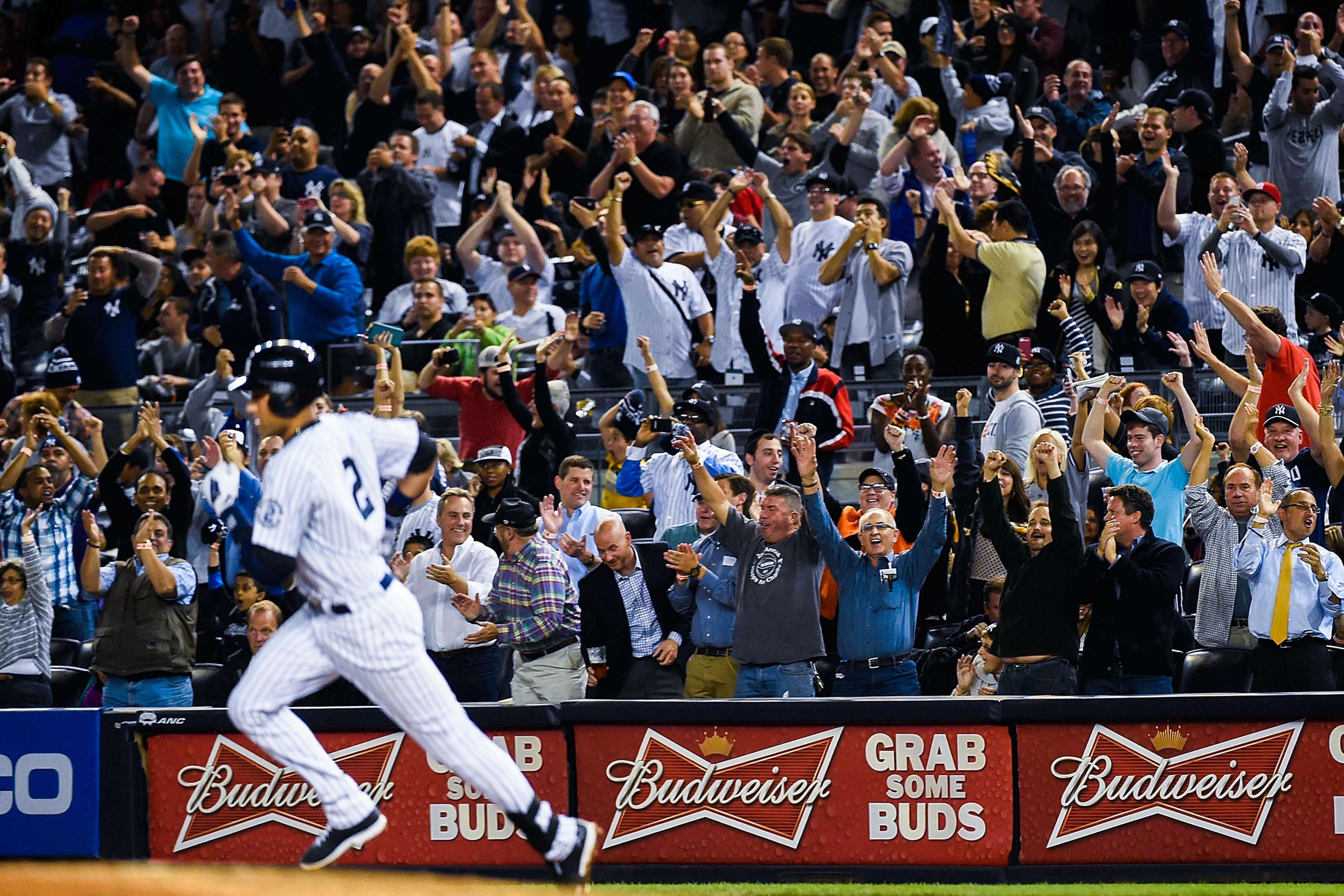 Derek Jeter hits first home run at Yankee Stadium in 2014