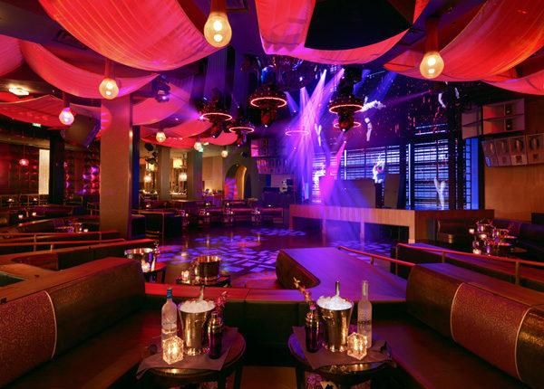 "Marquee Nightclub & Dayclub, Las Vegas [<a href=""http://www.marqueelasvegas.com/the-space/rooms/main-floor/"">Photo</a>]"