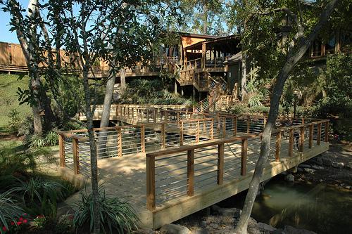 The back patio at Rainbow Lodge