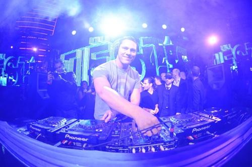 Tiësto debuts at XS Nightclub in January.